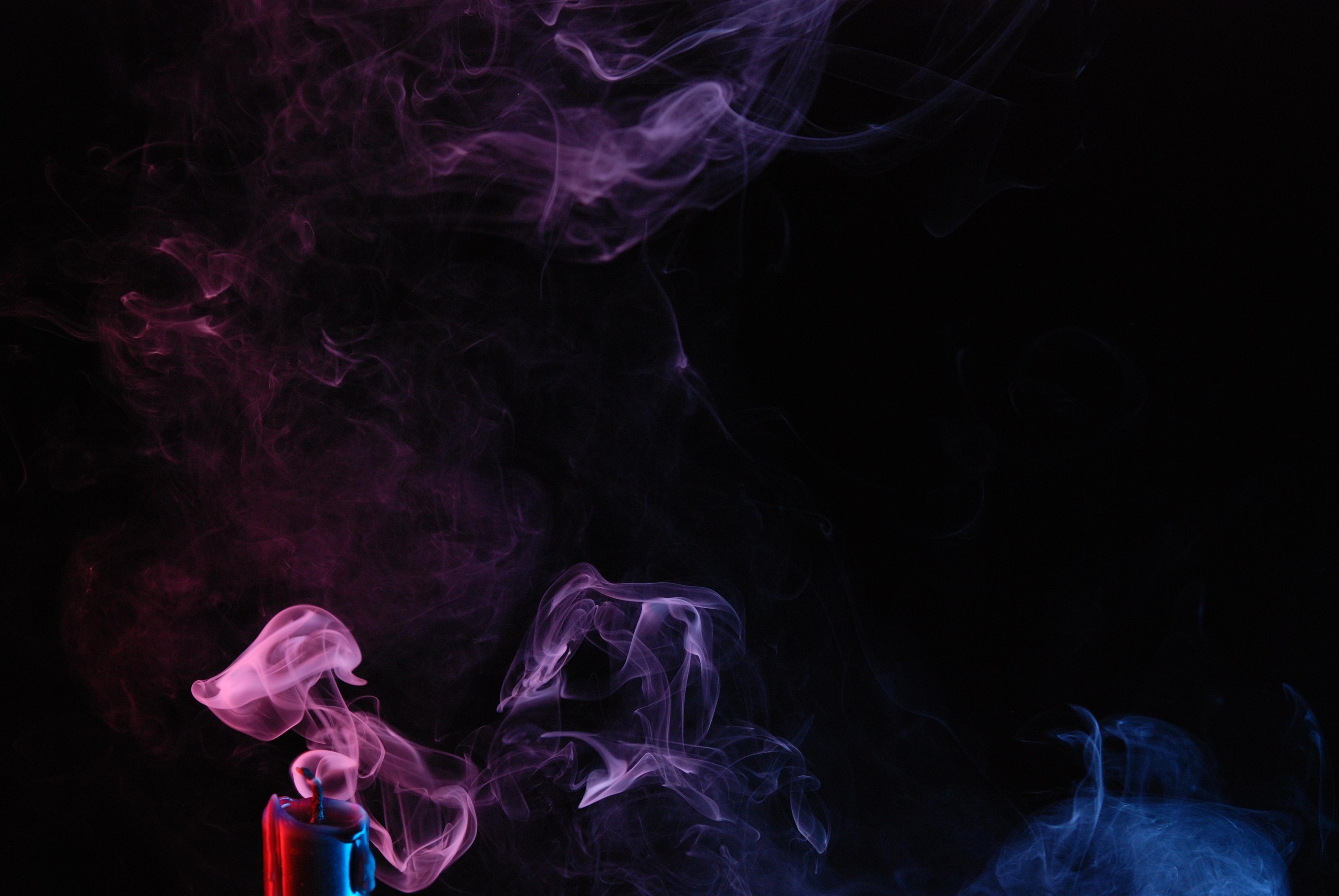 134618 скачать обои Темные, Свеча, Цветной Дым, Дым - заставки и картинки бесплатно