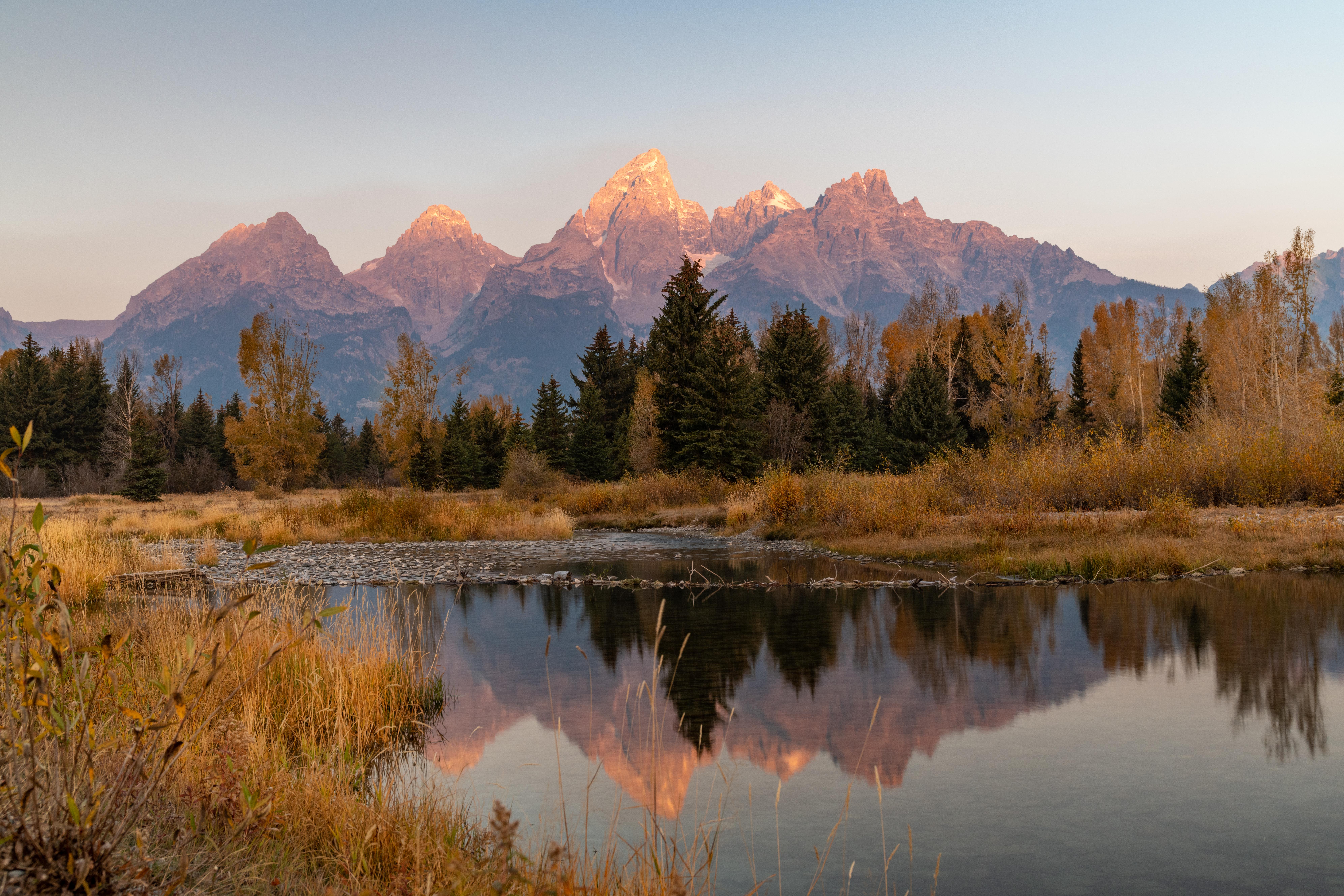 70047 Заставки и Обои Пейзаж на телефон. Скачать Пейзаж, Природа, Деревья, Горы, Озеро, Отражение картинки бесплатно