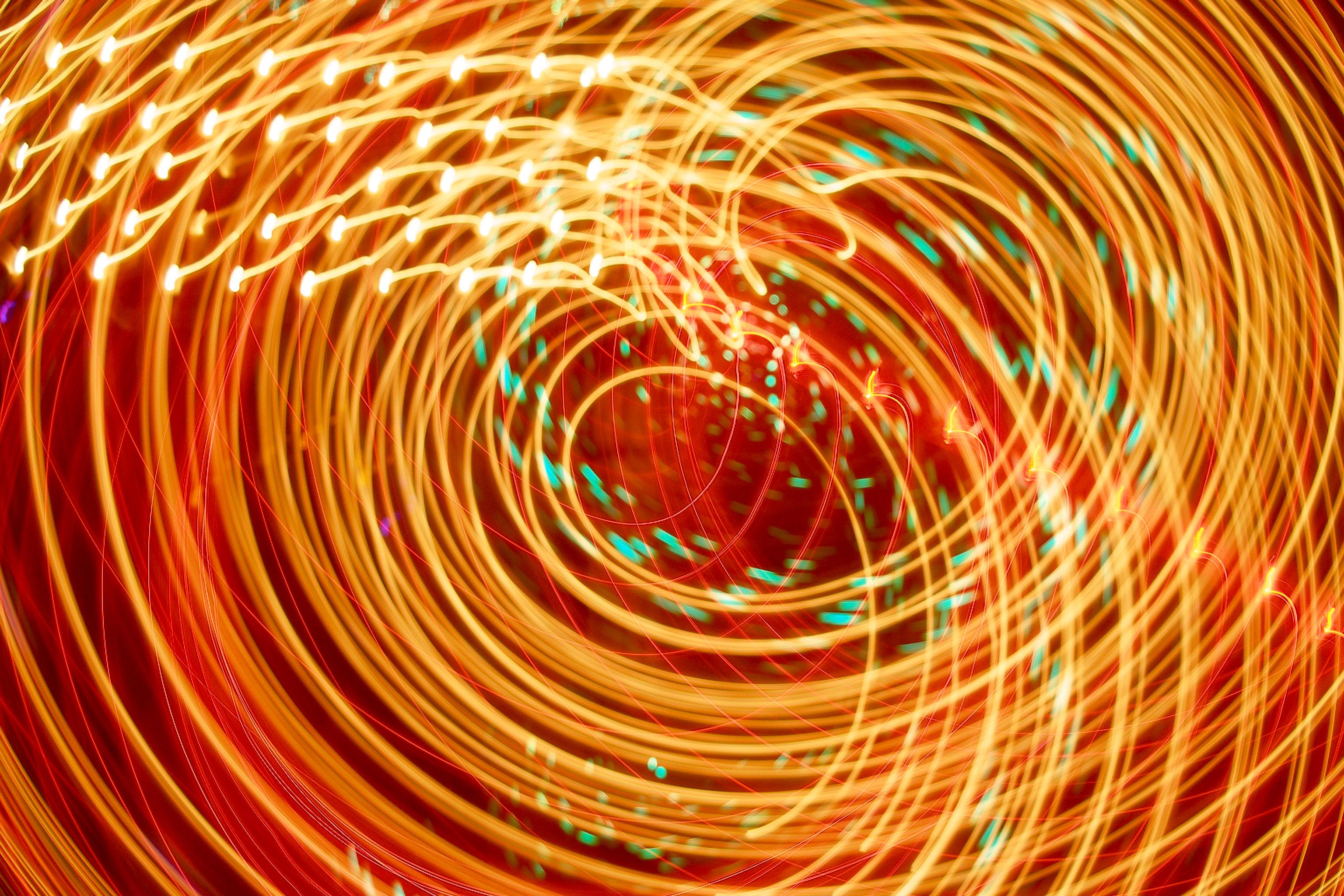 79653 免費下載壁紙 抽象, 横梁, 光束, 氖, 尼翁, 辉光, 发光, 打旋, 旋转, 明亮的, 明亮, 橙子 屏保和圖片