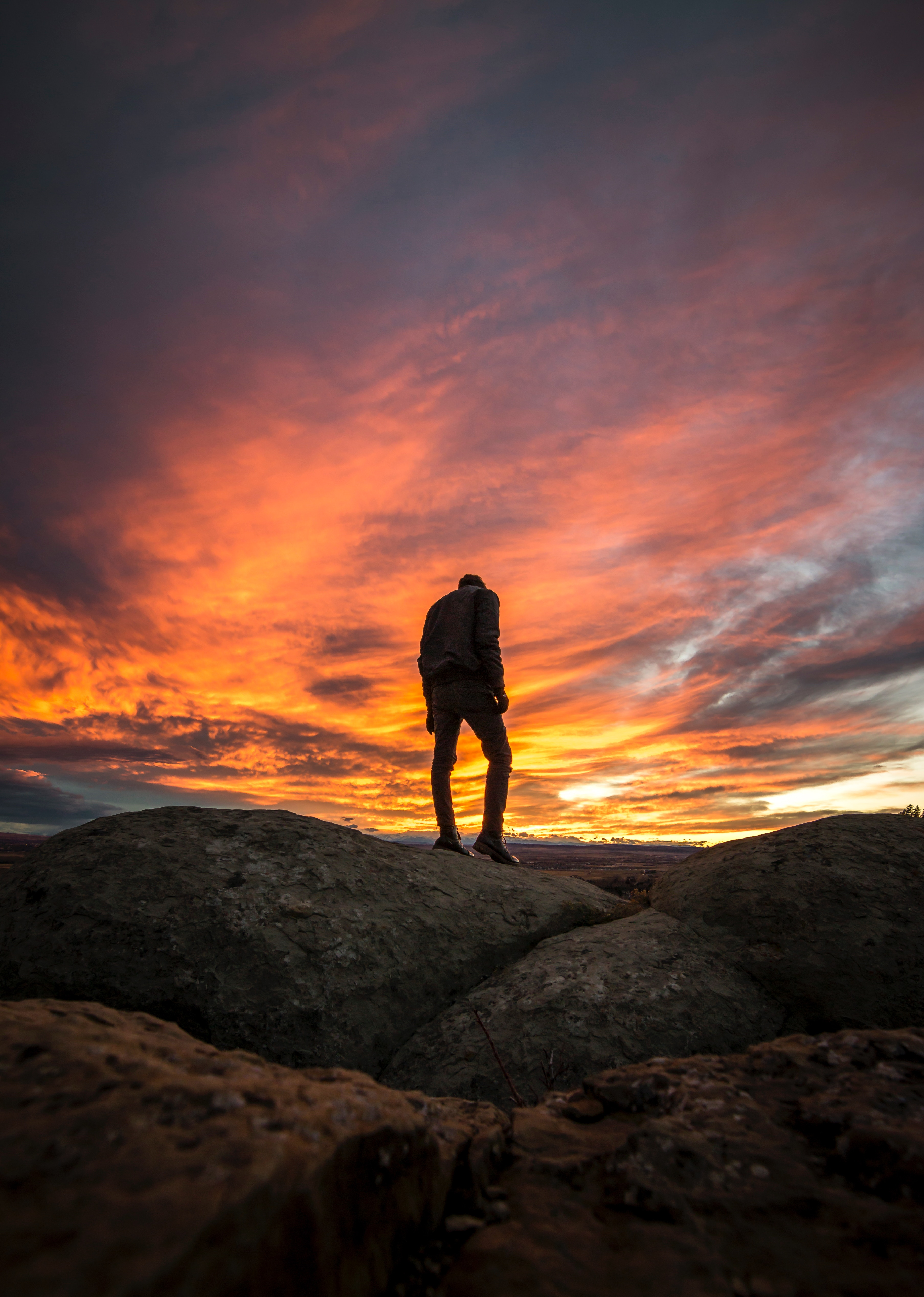 78465 Screensavers and Wallpapers Guy for phone. Download Nature, Sunset, Silhouette, Guy pictures for free