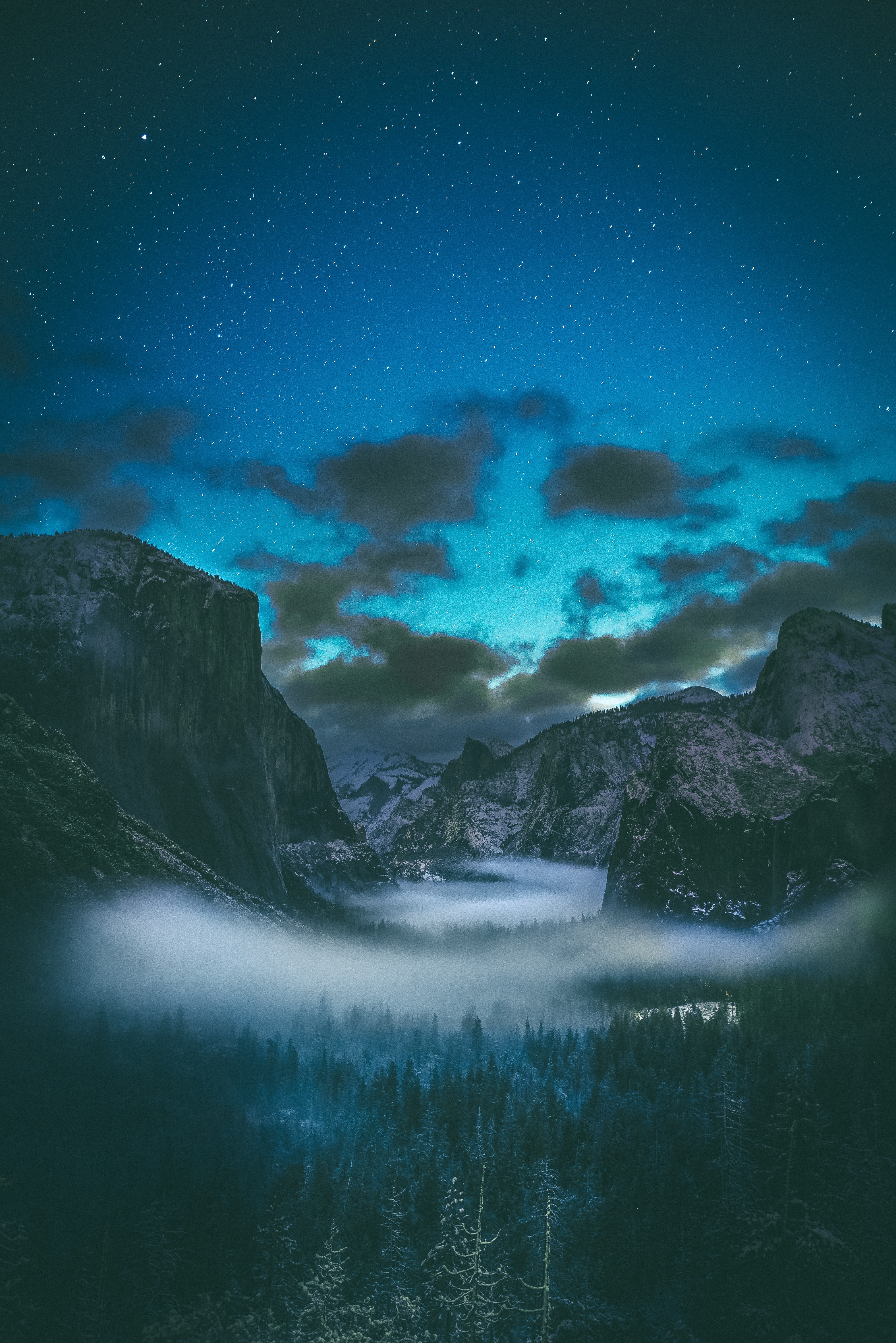 133155 download wallpaper Starry Sky, Nature, Mountains, Clouds, Fog screensavers and pictures for free