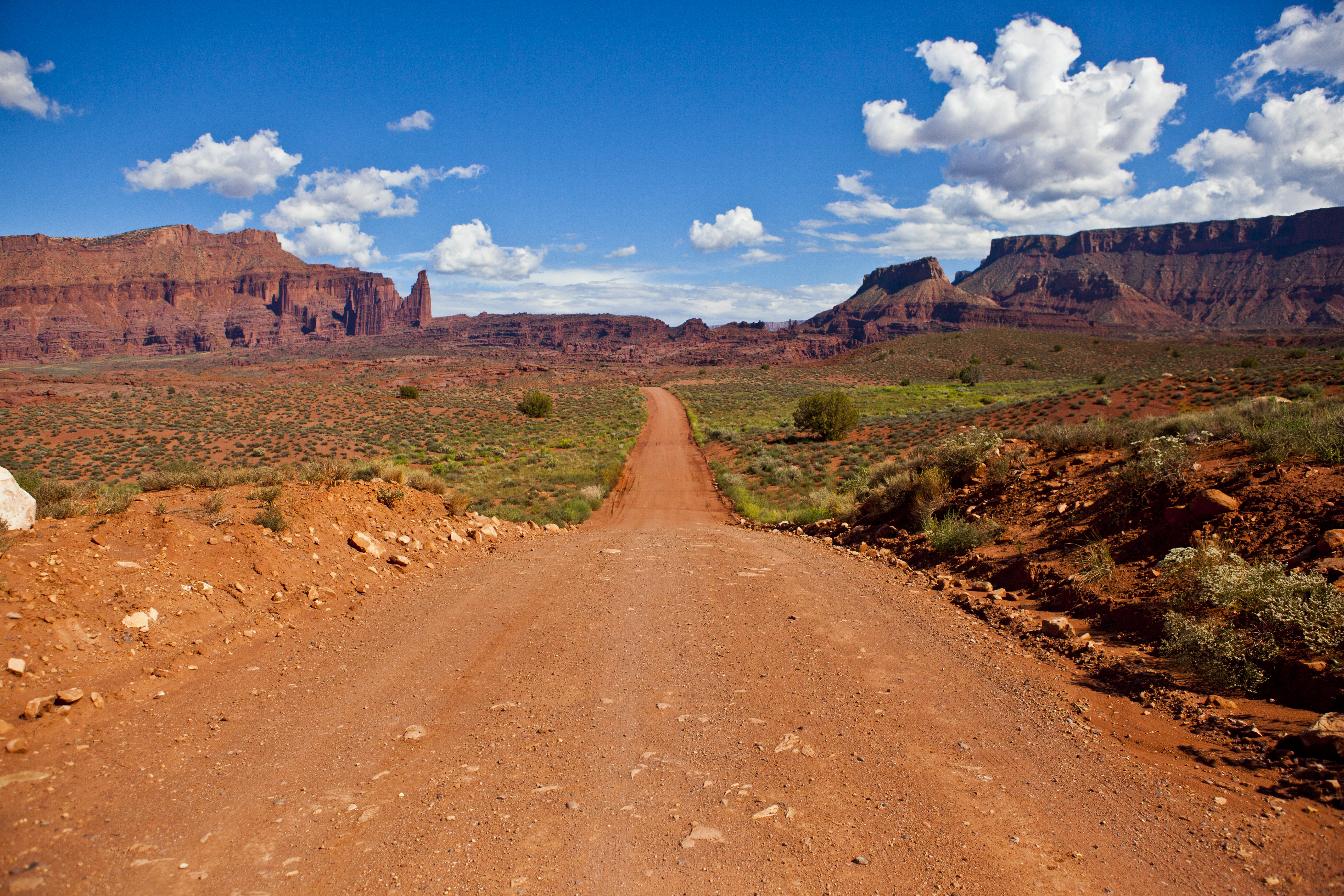 92859 download wallpaper Nature, Path, Canyon, Rocks, Deserted, Moab, Utah screensavers and pictures for free