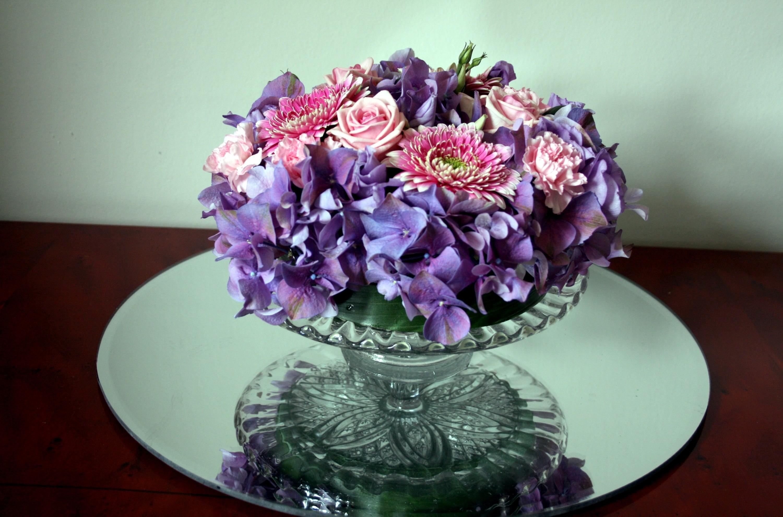 96456 скачать обои Цветы, Чаша, Зеркало, Хризантемы, Розы - заставки и картинки бесплатно