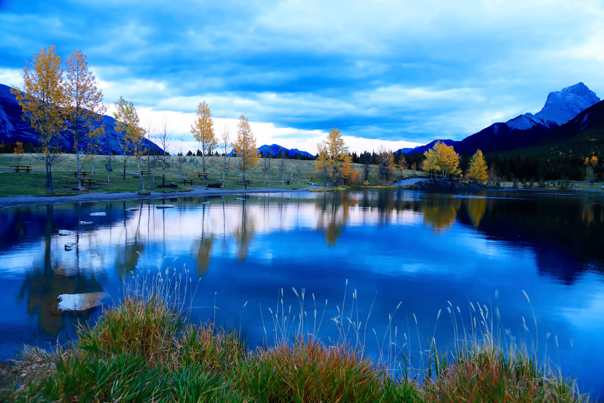85132 download wallpaper Nature, Sky, Mountains, Lake screensavers and pictures for free