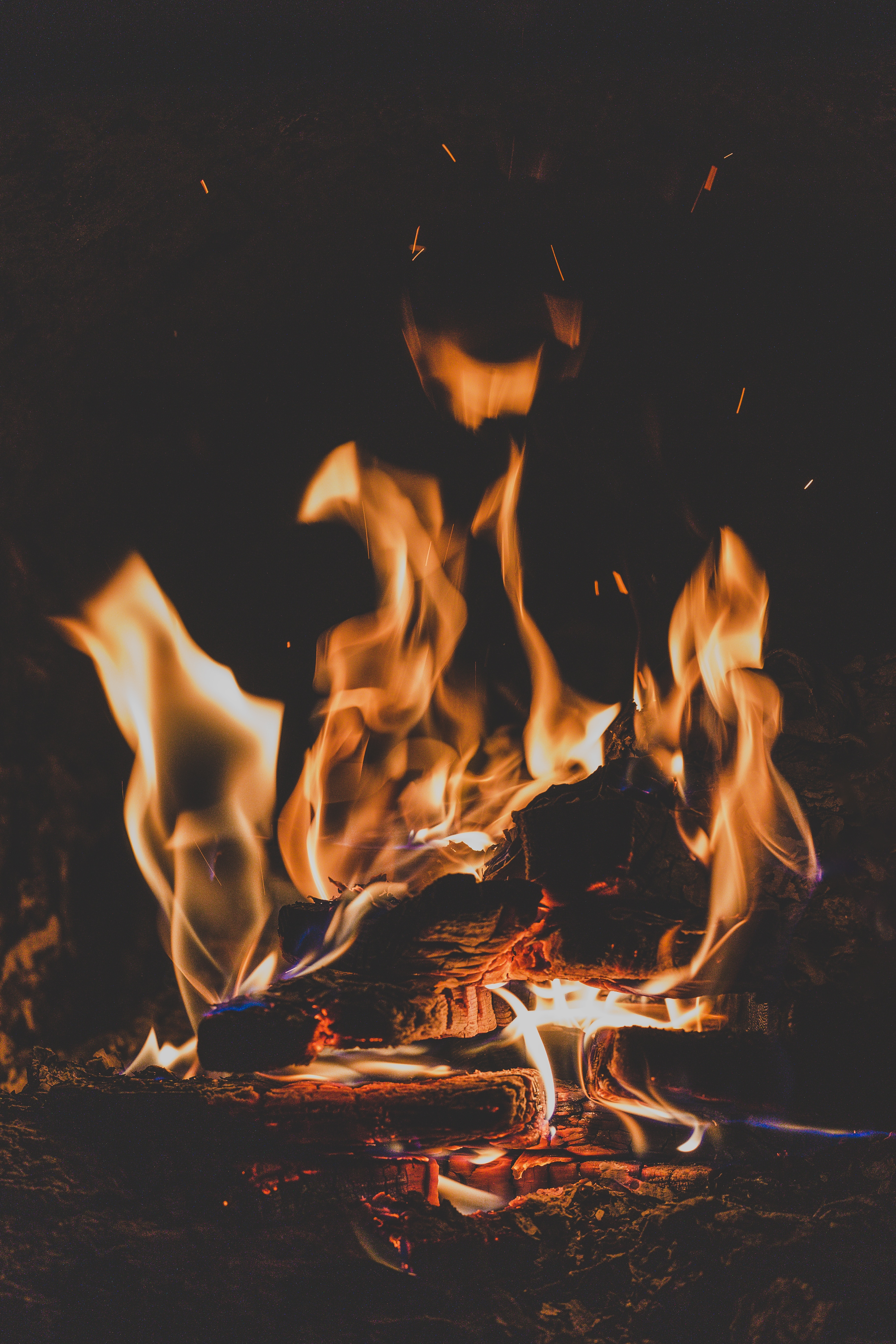 75239 Screensavers and Wallpapers Bonfire for phone. Download Fire, Bonfire, Dark, Flame, Firewood, Camping, Campsite, Angle, Corner, Ash pictures for free
