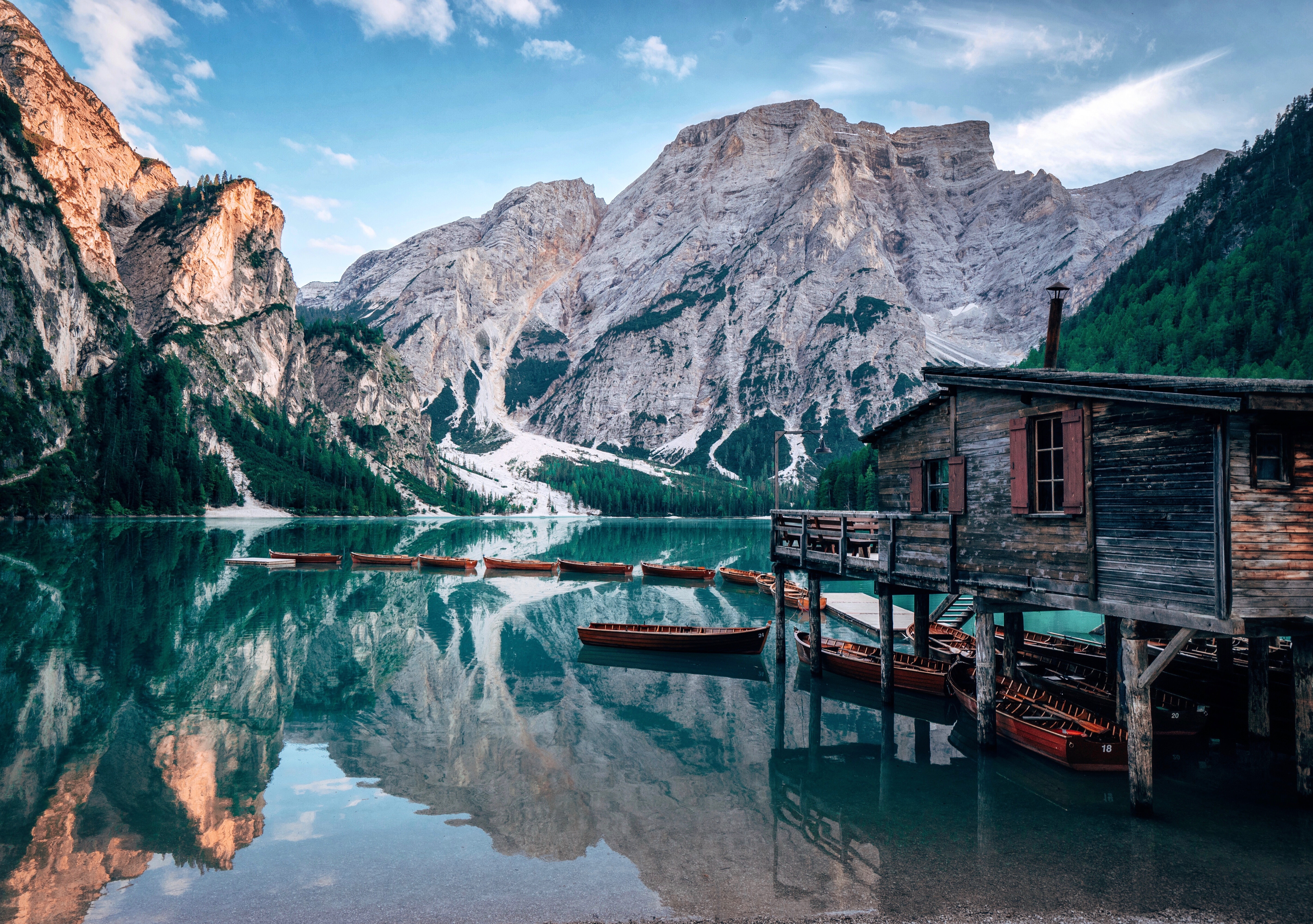137115 download wallpaper Landscape, Nature, Mountains, Boats, Lake, Small House, Lodge, Journey screensavers and pictures for free