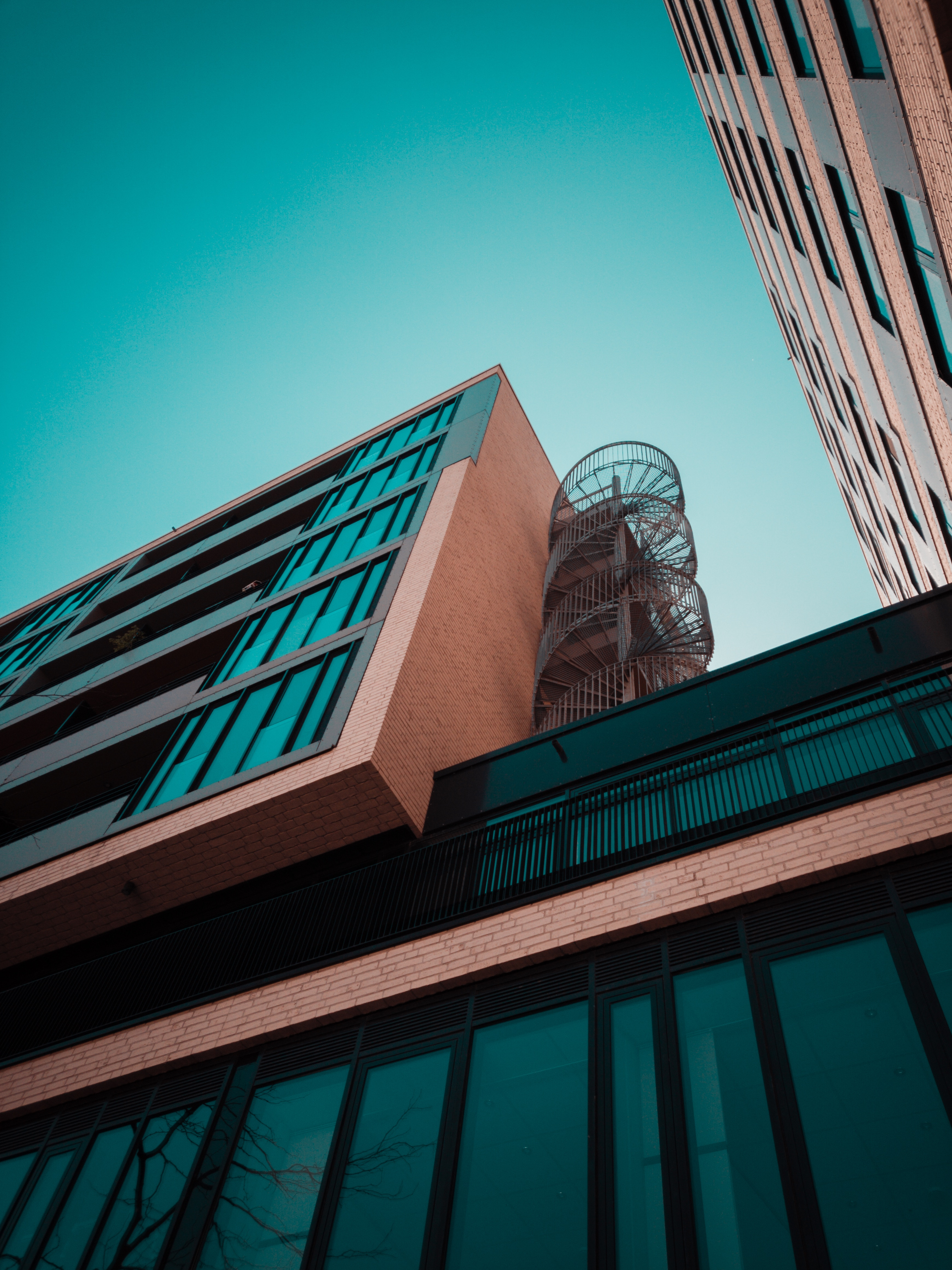 96298 скачать обои Минимализм, Здание, Фасад, Симметрия, Городской, Архитектура - заставки и картинки бесплатно
