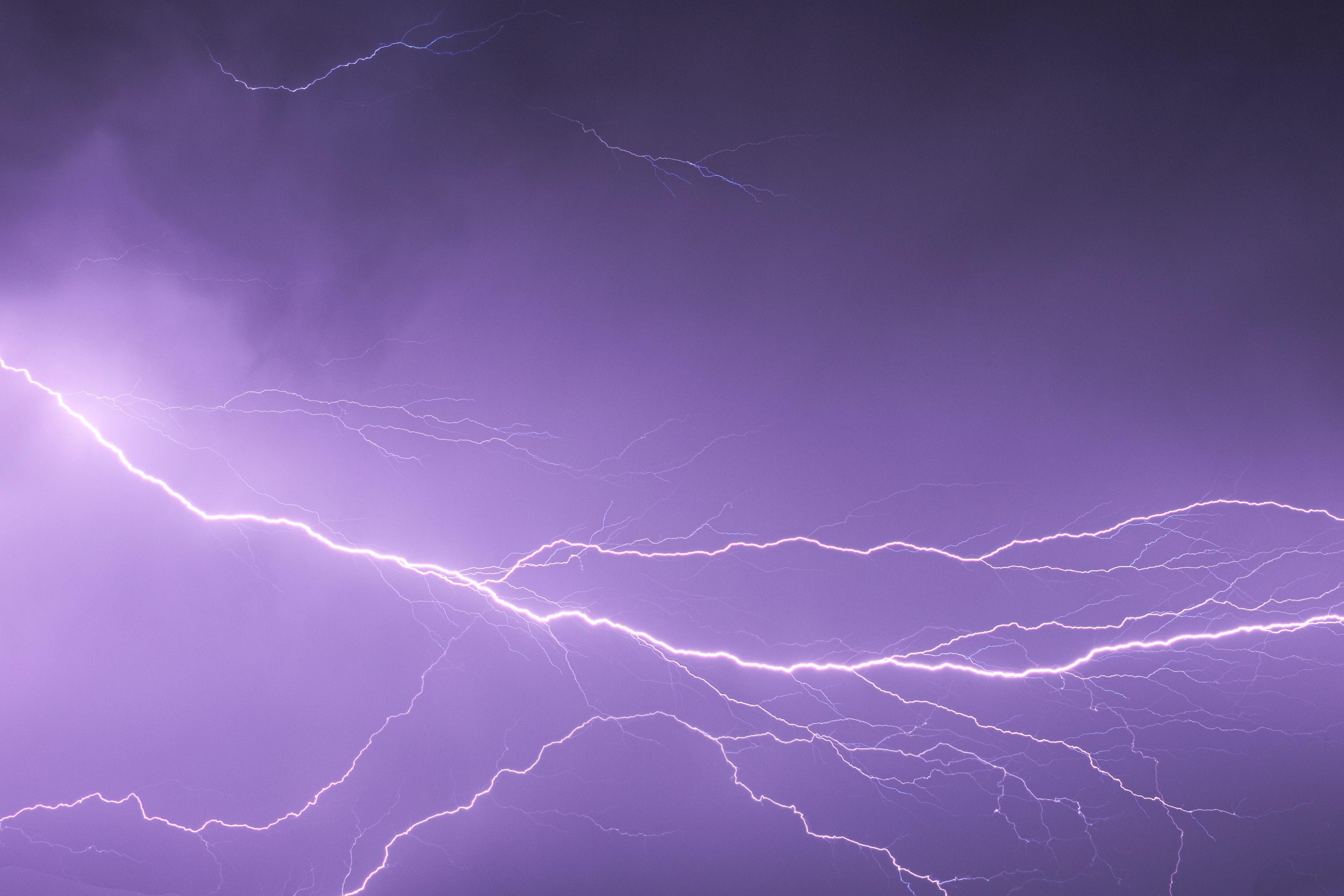 150815 Заставки и Обои Молния на телефон. Скачать Природа, Небо, Свечение, Молния, Гроза картинки бесплатно