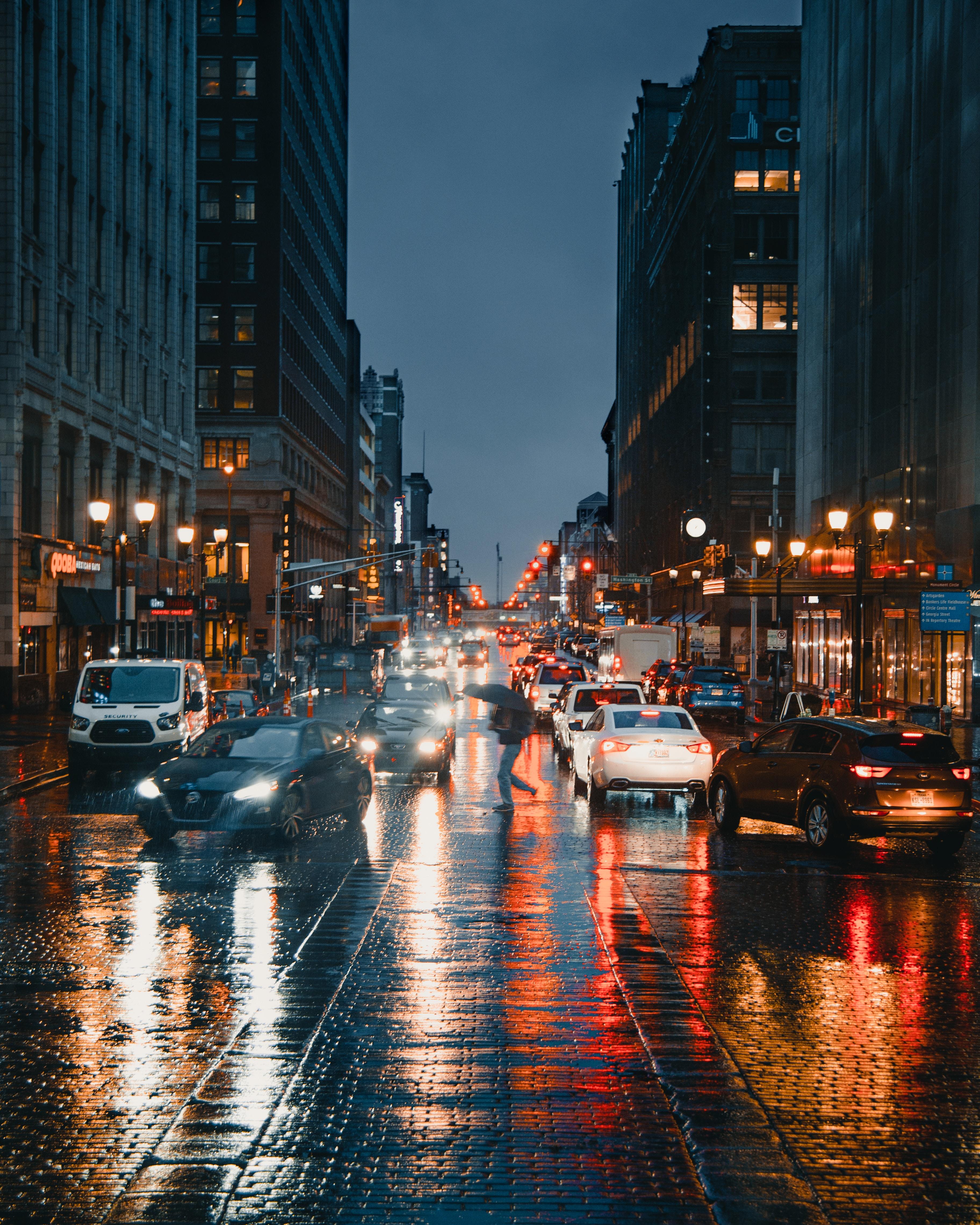 132243 скачать обои Дорога, Улица, Город, Дождь, Города, Машины - заставки и картинки бесплатно