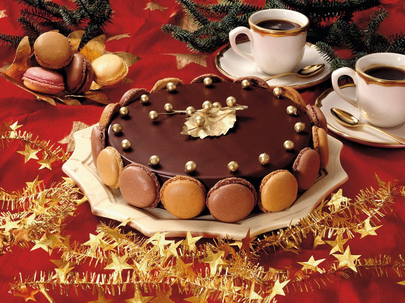 130569 скачать обои Еда, Торт, Сладкое, Пустыня, Шоколад, Глазурь, Праздничный Стол, Кофе, Бокалы - заставки и картинки бесплатно