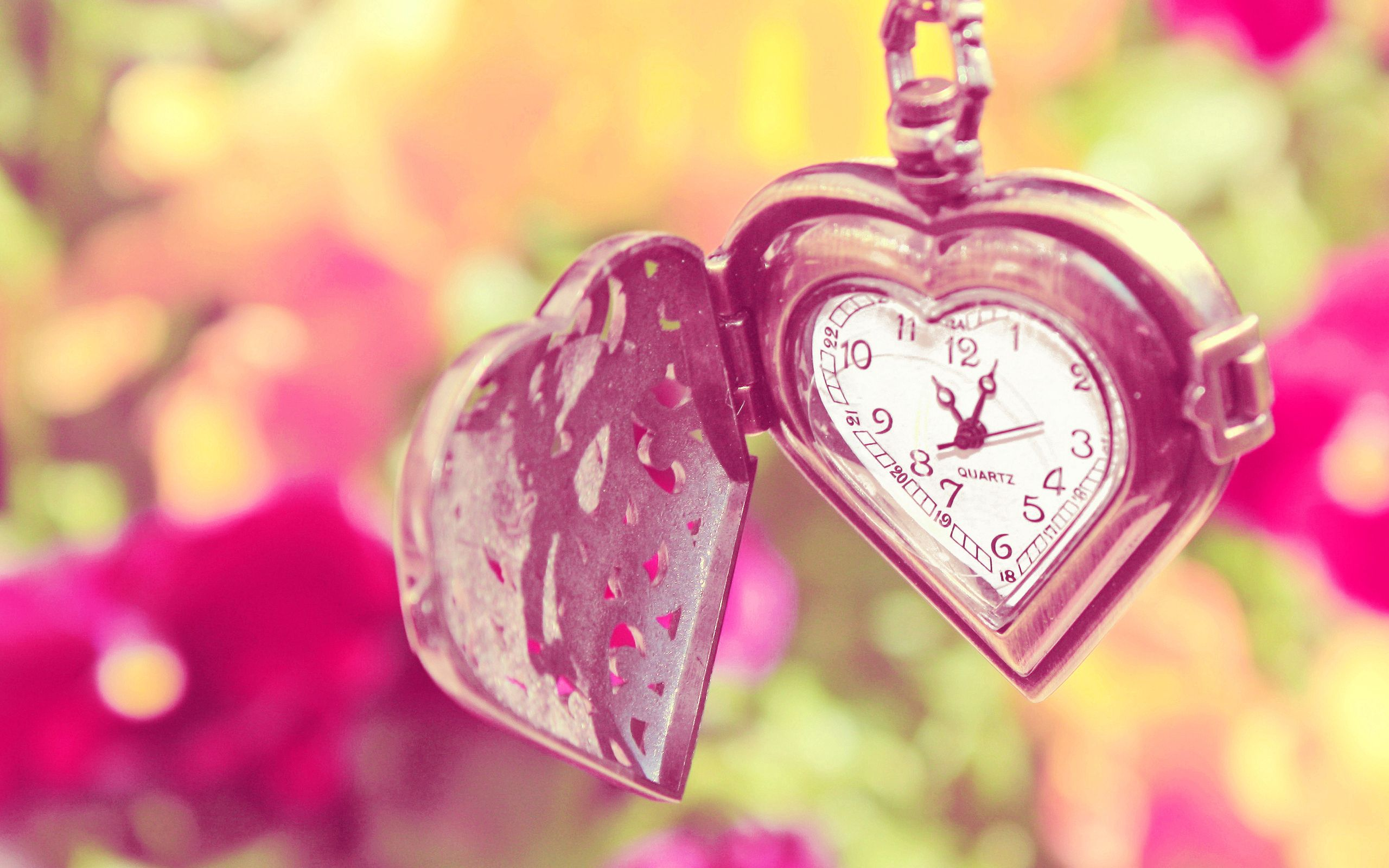 128988 download wallpaper Macro, Summer, Chain, Heart, Flowers, Clock screensavers and pictures for free