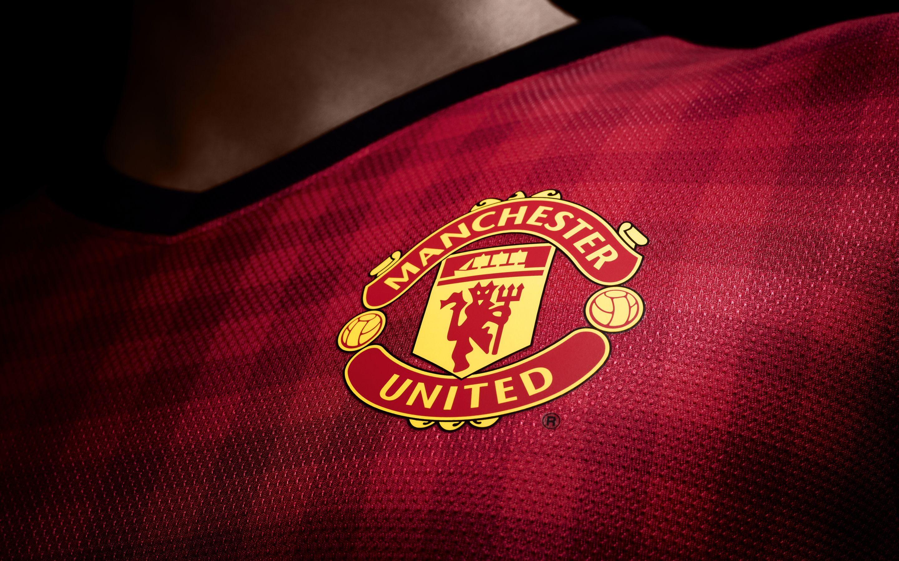 120889 download wallpaper Sports, Manchester United, Logo, Logotype, 2012, 2013, New Kit, New Set, English Premier League screensavers and pictures for free