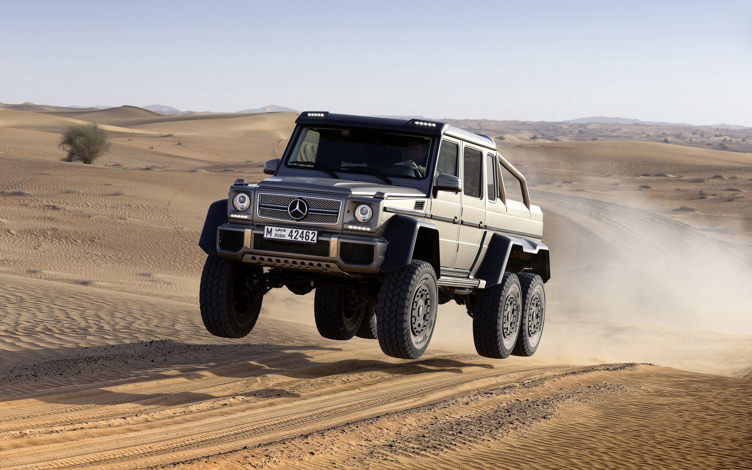 97725 Заставки и Обои Песок на телефон. Скачать Mercedes-Benz, Прыжок, Песок, Тачки (Cars), Полет картинки бесплатно