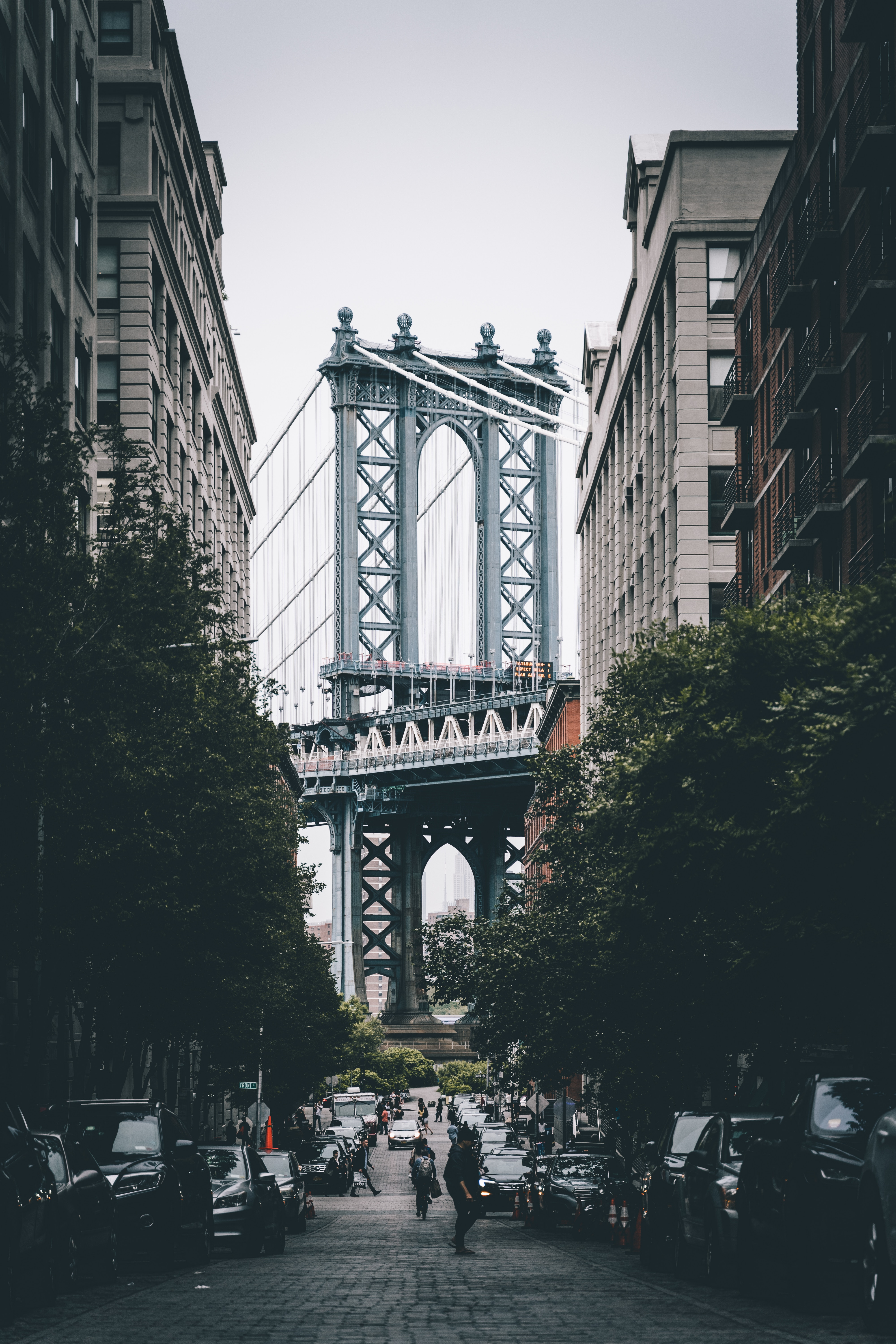 145482 download wallpaper City, Street, Building, People, Architecture, Cities, Auto screensavers and pictures for free