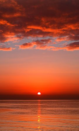 17923 download wallpaper Landscape, Sunset, Sky, Sea, Clouds screensavers and pictures for free