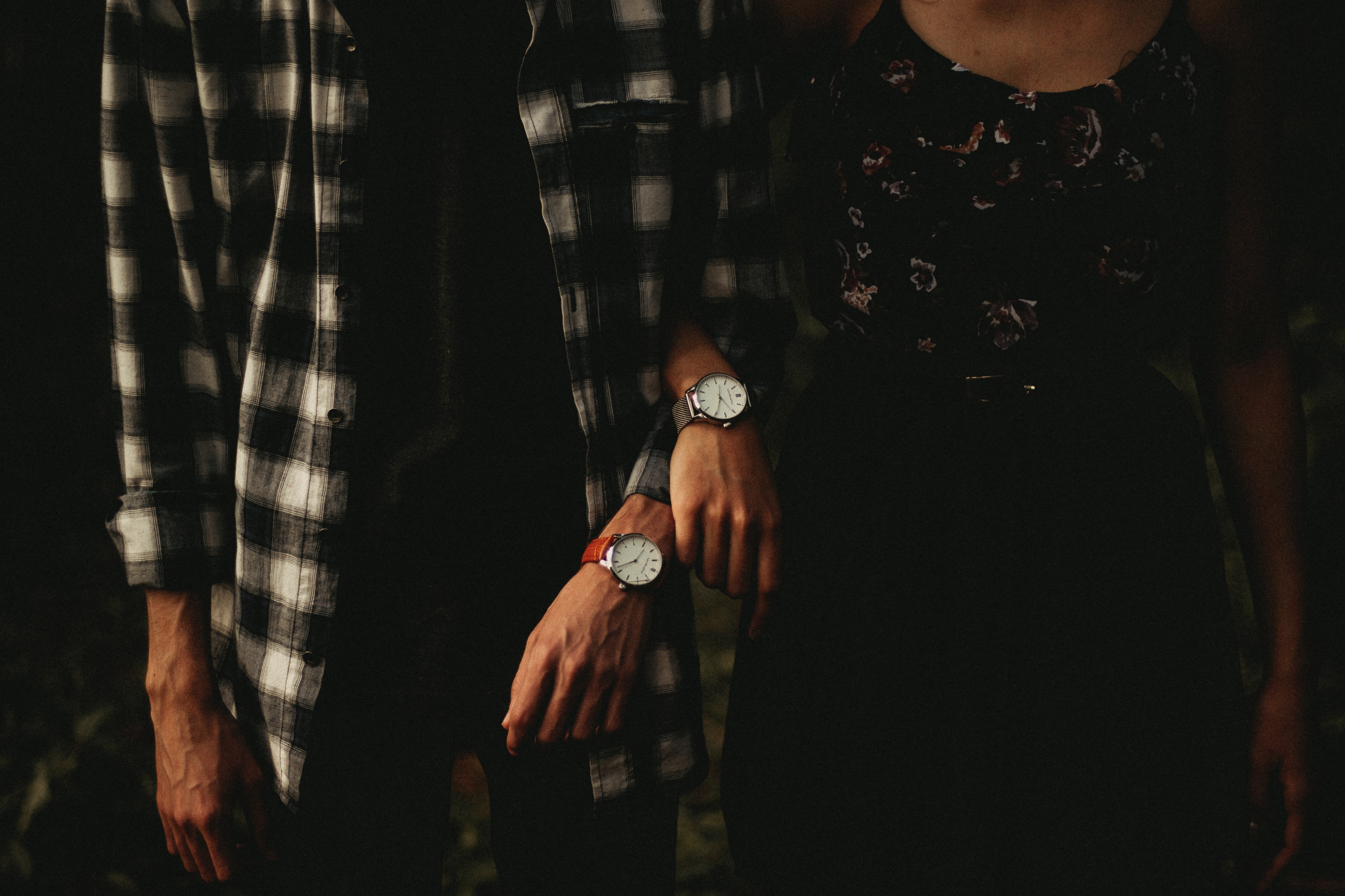 86942 Screensavers and Wallpapers Wrist Watch for phone. Download Miscellanea, Miscellaneous, Couple, Pair, Hands, Wrist Watch, Wristwatch pictures for free