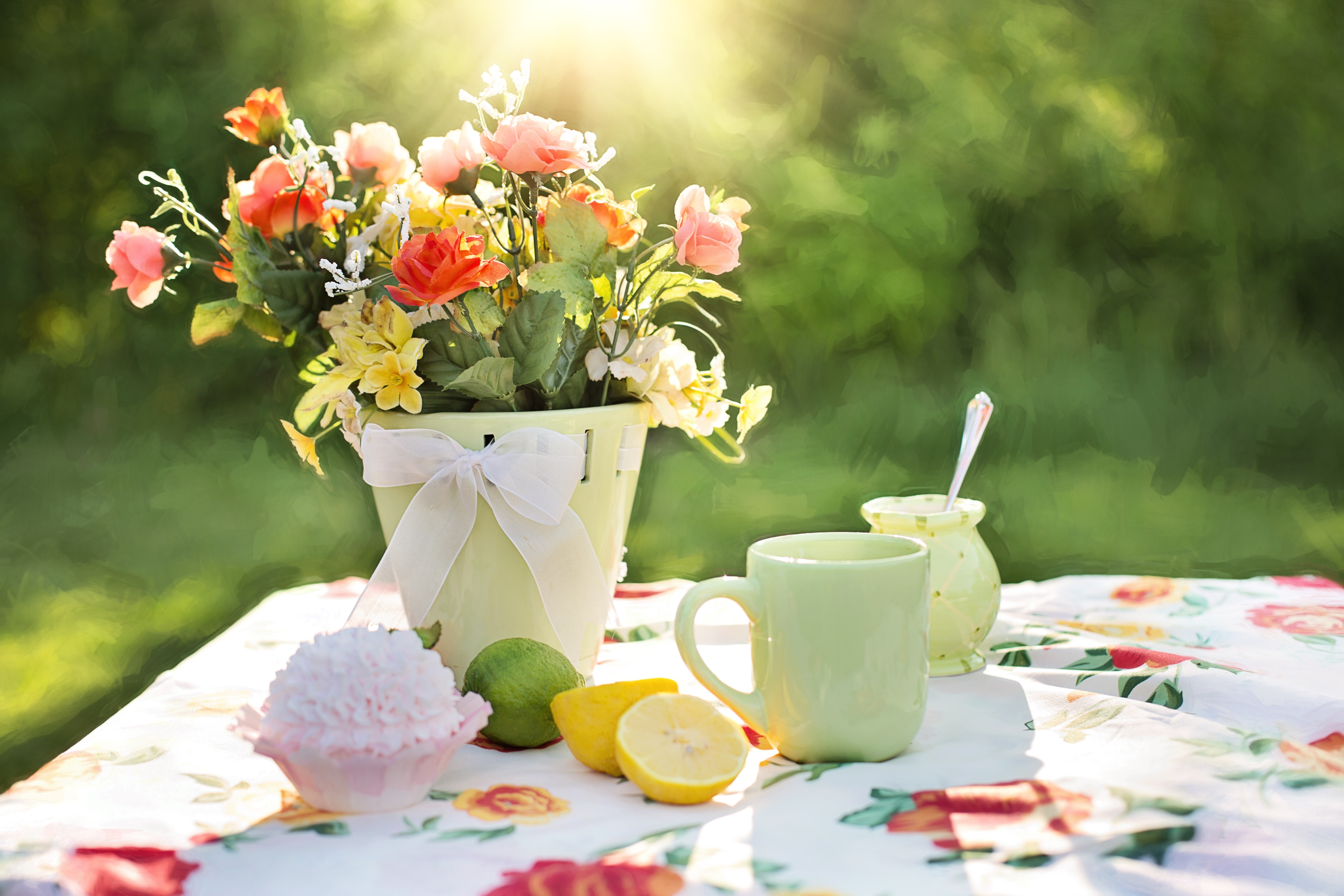 138077 download wallpaper Flowers, Food, Tablewares, Lime, Vase screensavers and pictures for free