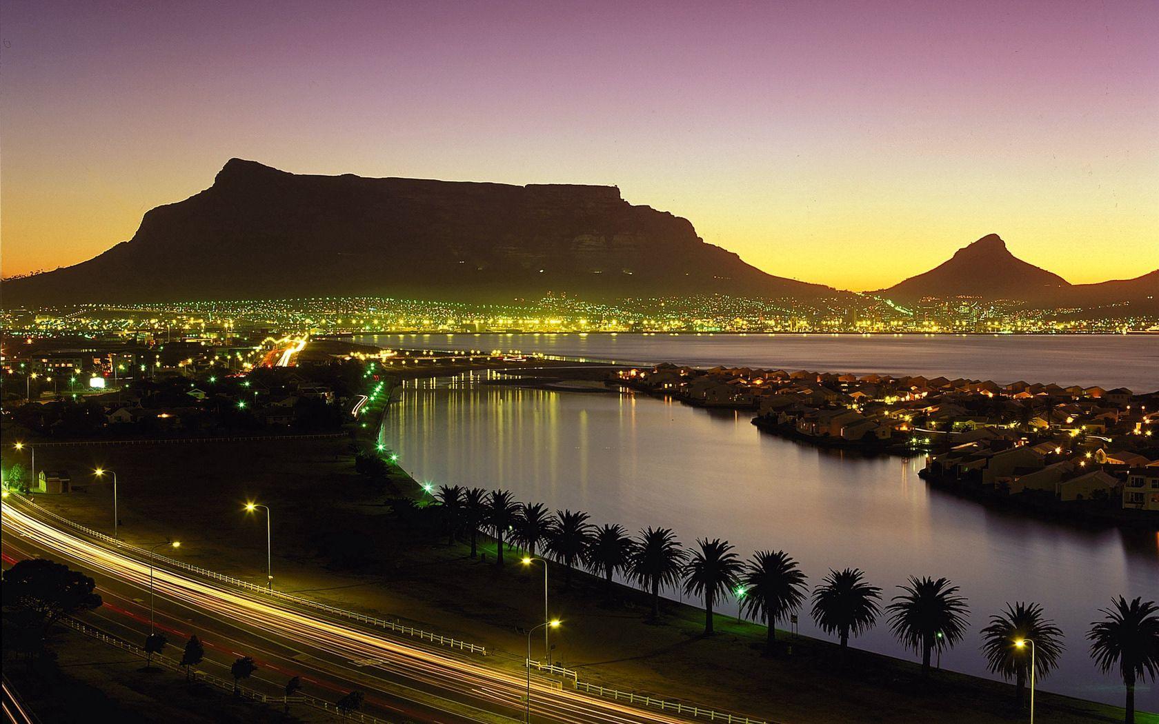104565 Заставки и Обои Города на телефон. Скачать Кейптаун, Юар, Ночь, Огни, Берег, Города, Пальмы картинки бесплатно