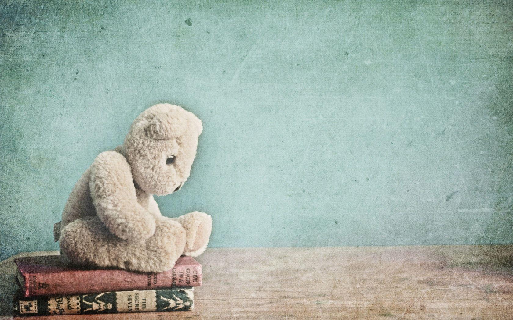 139377 скачать обои Разное, Игрушка, Медведь, Плюшевый, Книги - заставки и картинки бесплатно
