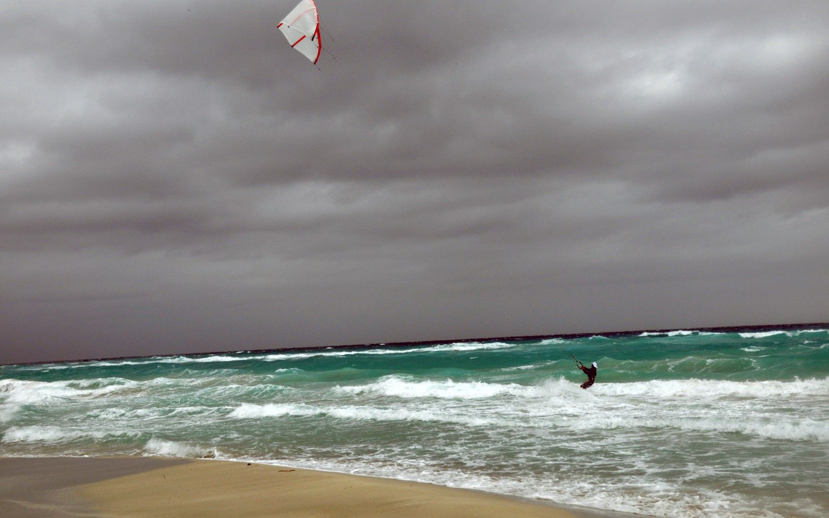 87502 download wallpaper Sports, Sea, Serfing, Windsurfing, Athlete, Sportsman, Cuba, Wind, Spray, Waves screensavers and pictures for free