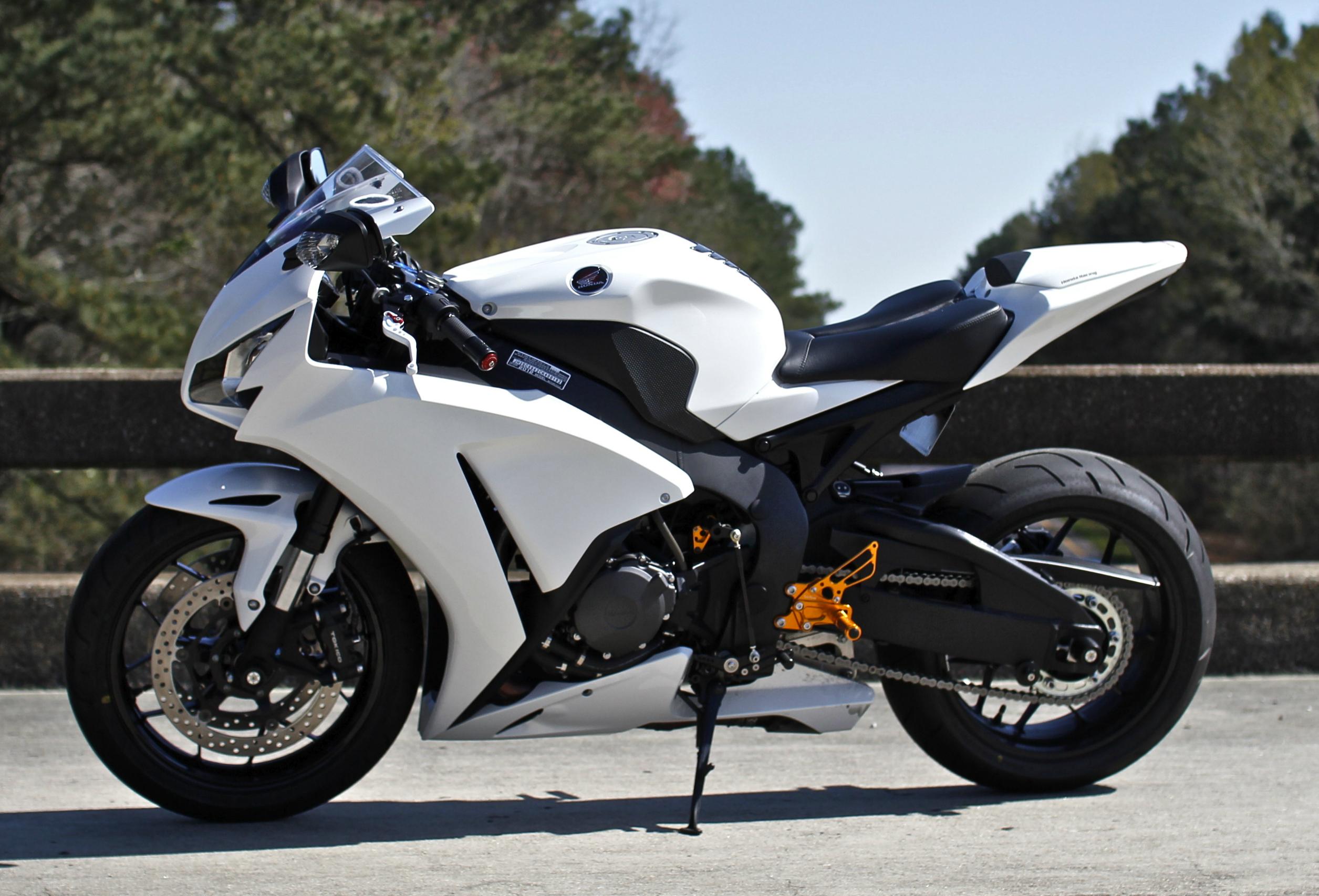 94337 скачать обои Мотоциклы, Хонда (Honda), Cbr1000Rr, Белый, Мотоцикл, Вид Сбоку - заставки и картинки бесплатно