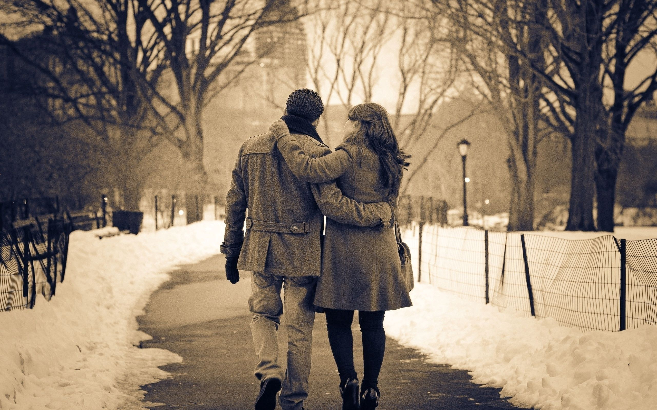 90263 download wallpaper Love, Couple, Pair, Stroll, Bw, Chb, Sepia, Winter, Relations screensavers and pictures for free