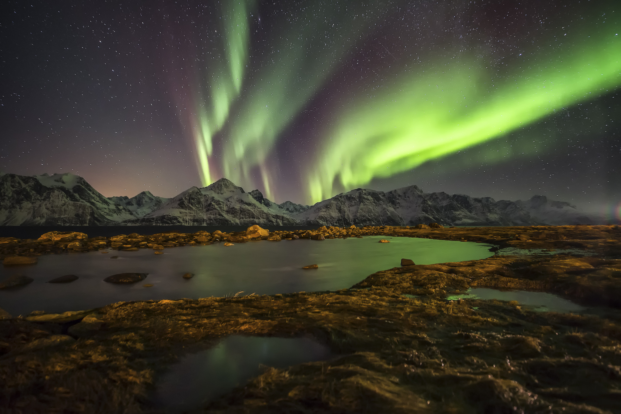 150740 免費下載壁紙 性质, 挪威, 夜, 北极光, 湖, 湖景 屏保和圖片