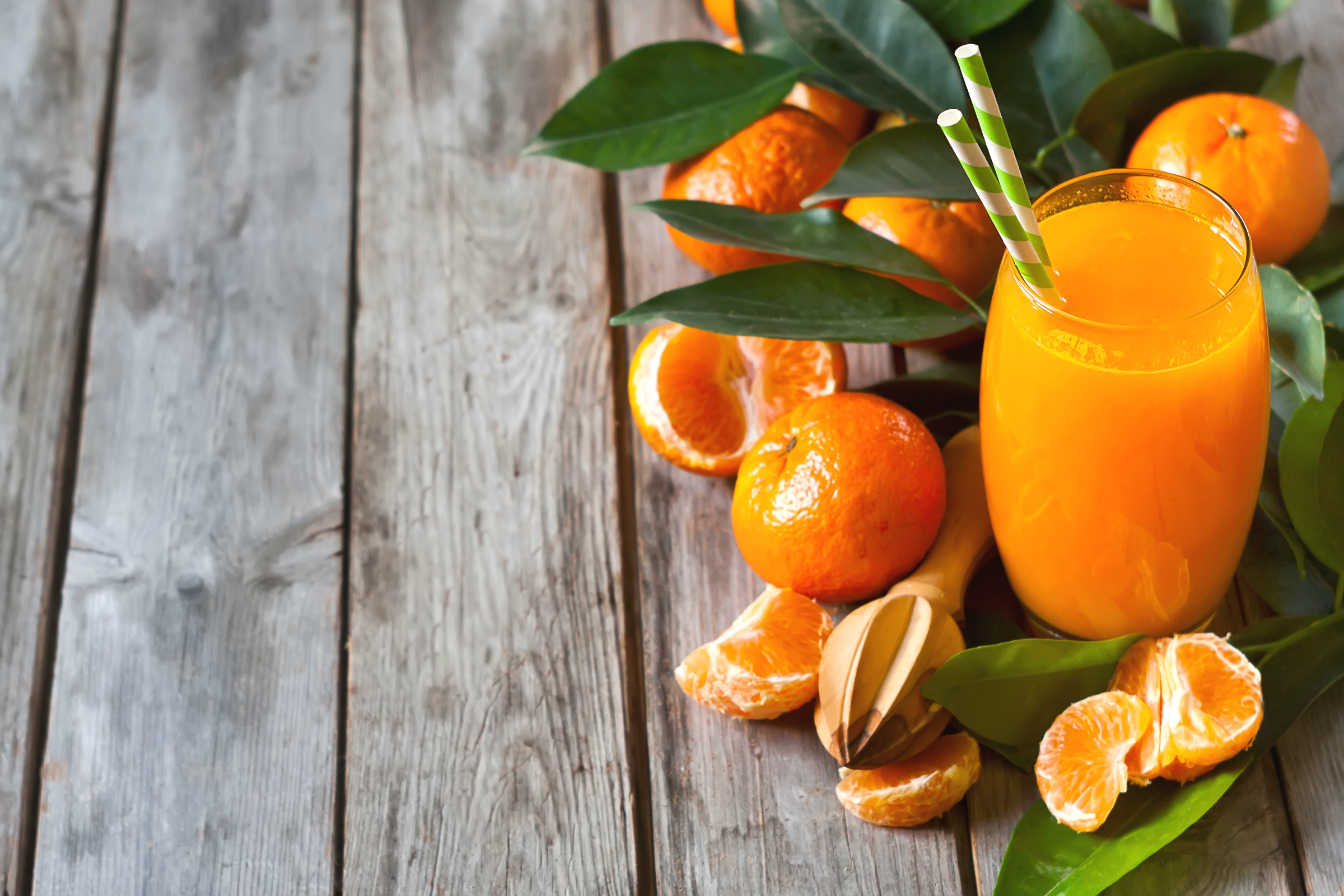 90167 Screensavers and Wallpapers Fruits for phone. Download Food, Fresh, Glass, Fruits, Tangerines pictures for free