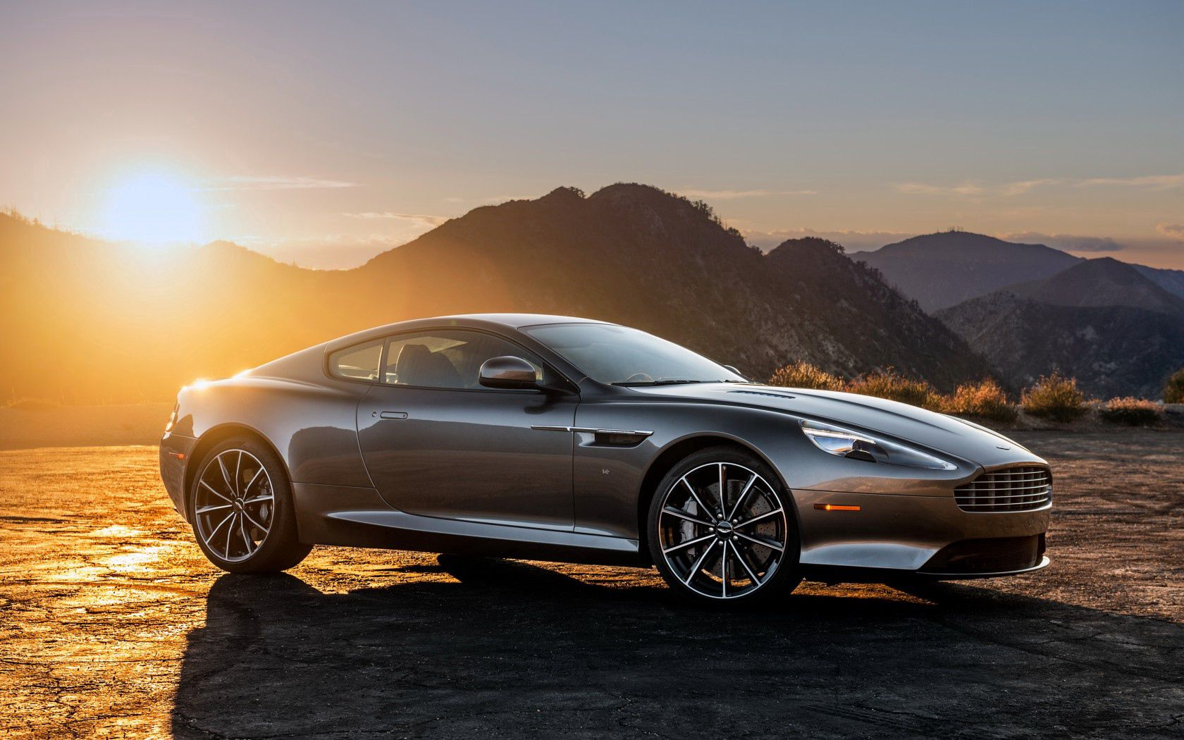 118031 download wallpaper Aston Martin, Cars, Side View, Gt, Db9 screensavers and pictures for free