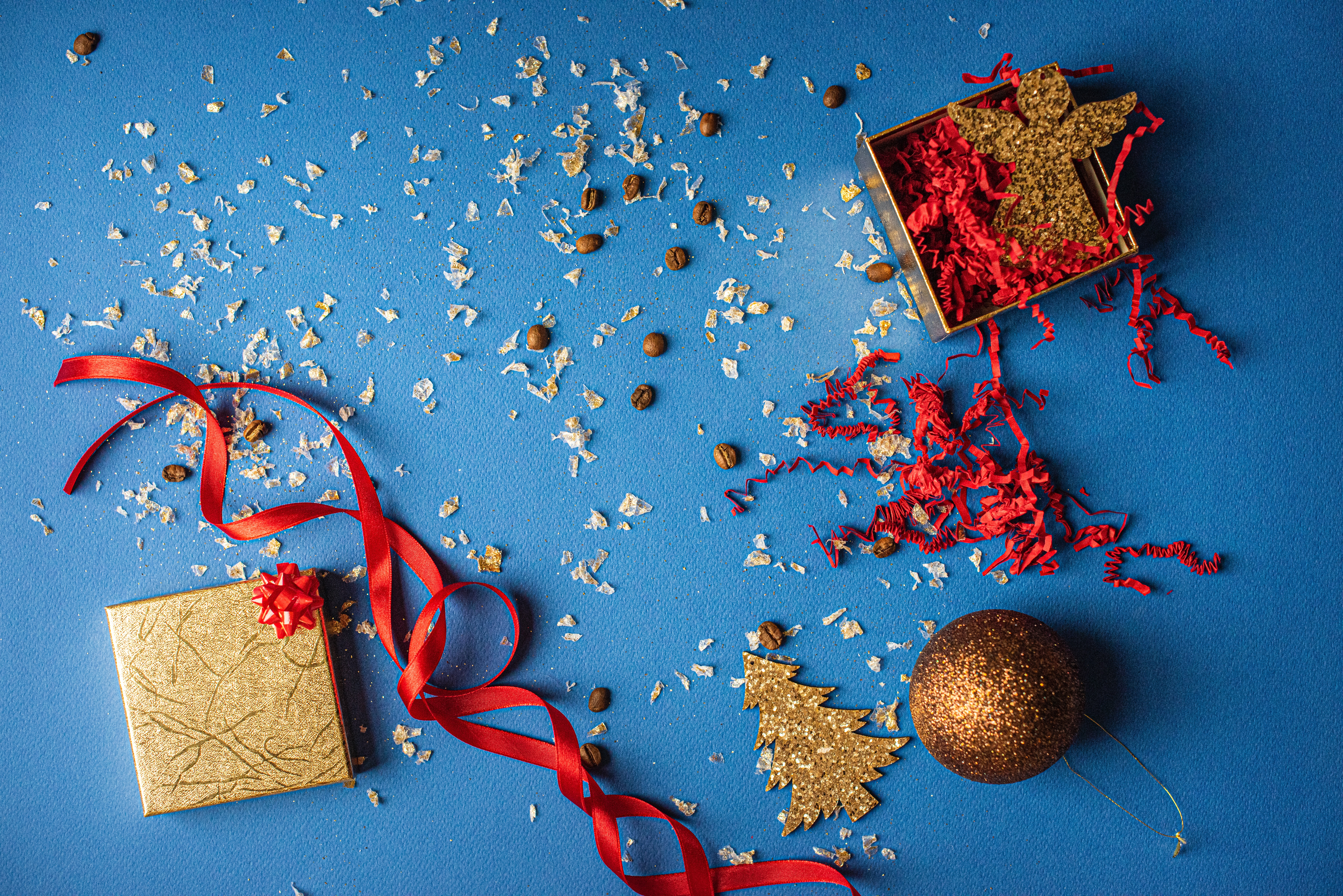 71406 download wallpaper Holidays, Decorations, Box, Present, Gift, Coffee Beans screensavers and pictures for free