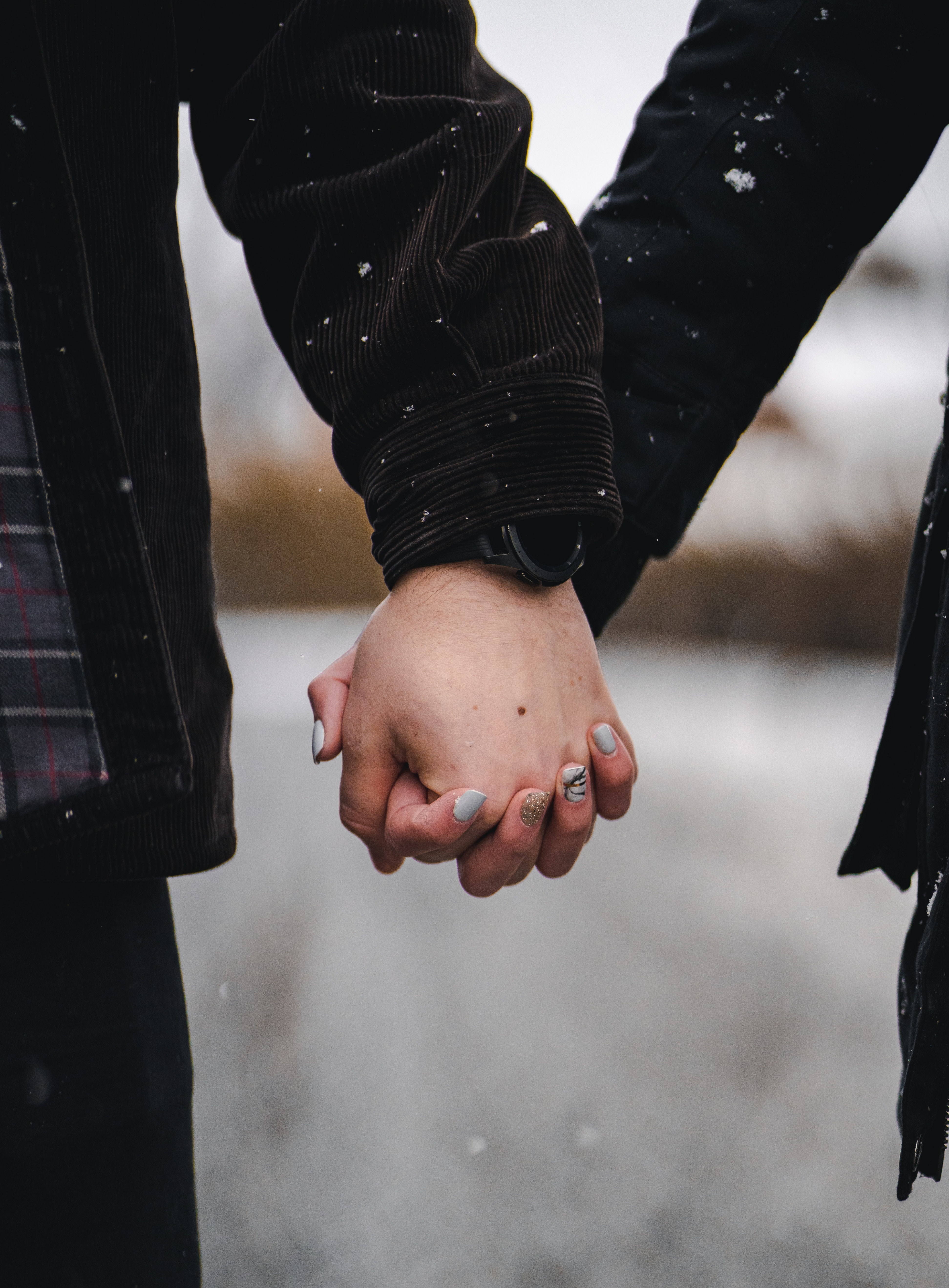 82281 download wallpaper Hands, Couple, Pair, Love, Snow screensavers and pictures for free
