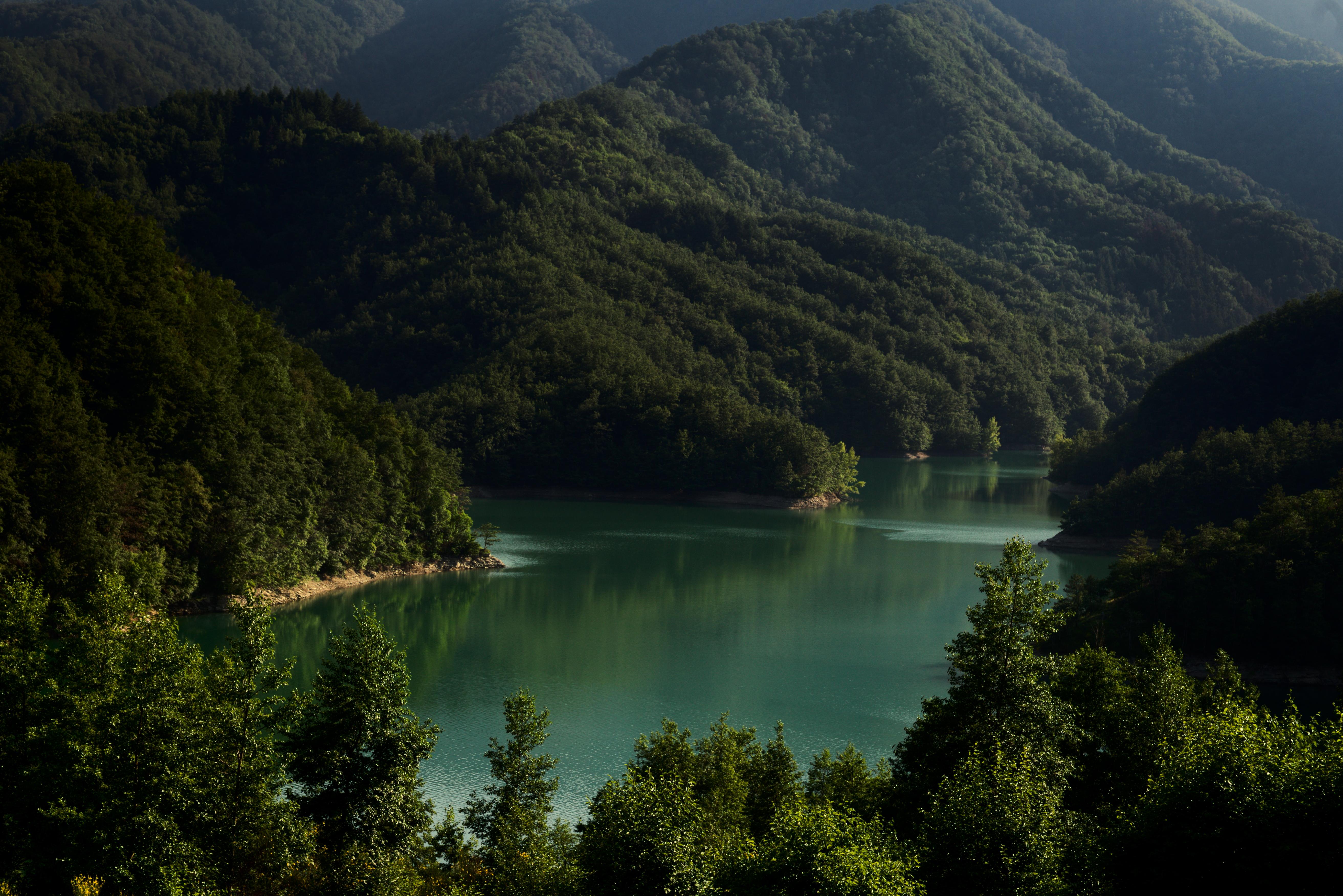 100499 Protetores de tela e papéis de parede Montanhas em seu telefone. Baixe Paisagem, Montanhas, Natureza, Árvores, Itália, Lago fotos gratuitamente