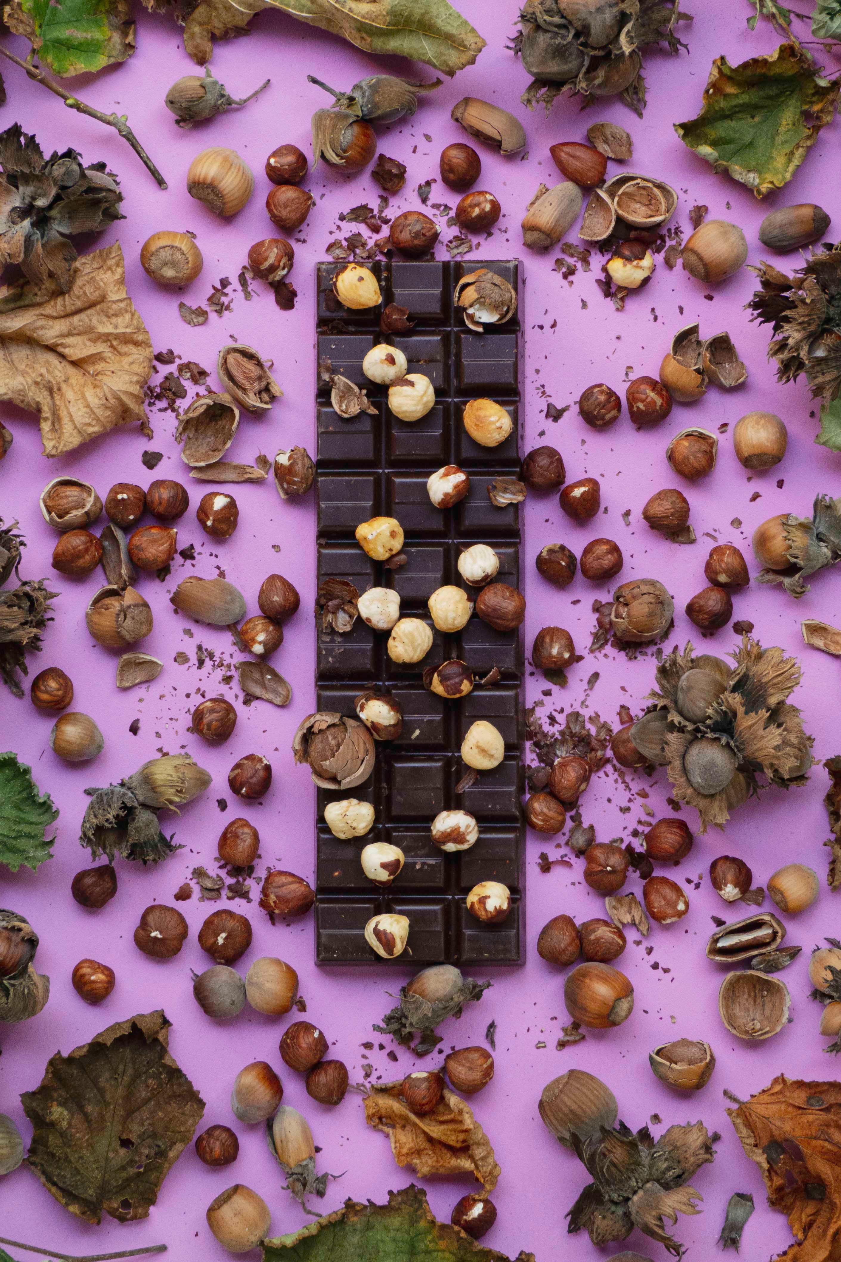 106543 скачать обои Еда, Шоколад, Плитка Шоколадка, Вкусный, Орехи, Сладость - заставки и картинки бесплатно