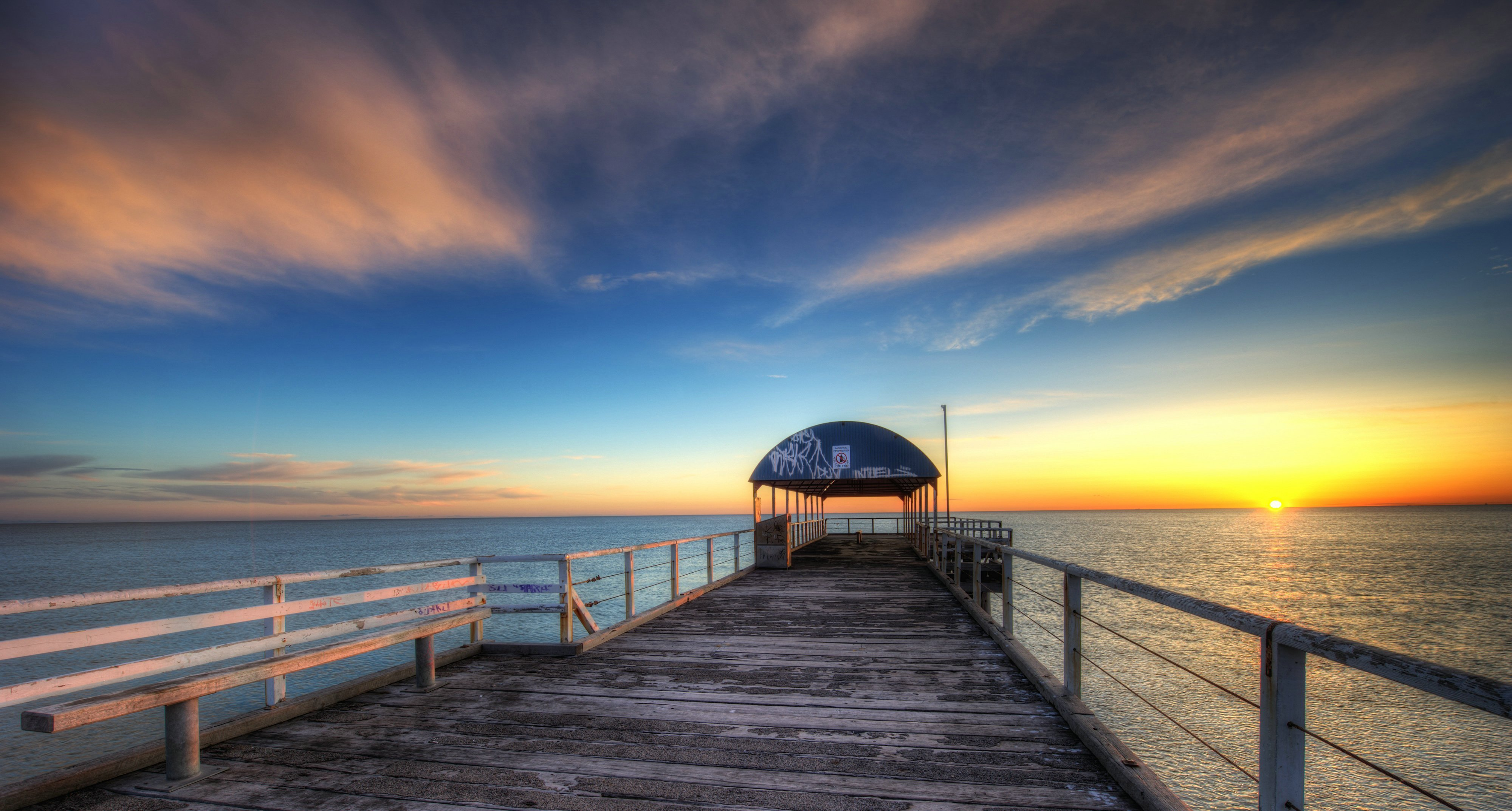 21441 download wallpaper Landscape, Sunset, Sea, Clouds screensavers and pictures for free