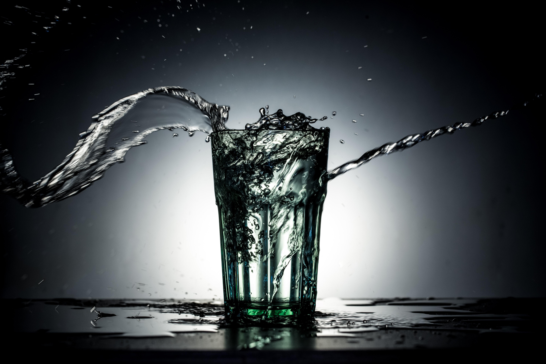 103844 download wallpaper Macro, Glass, Spray, Splash, Dark, Water, Liquid screensavers and pictures for free