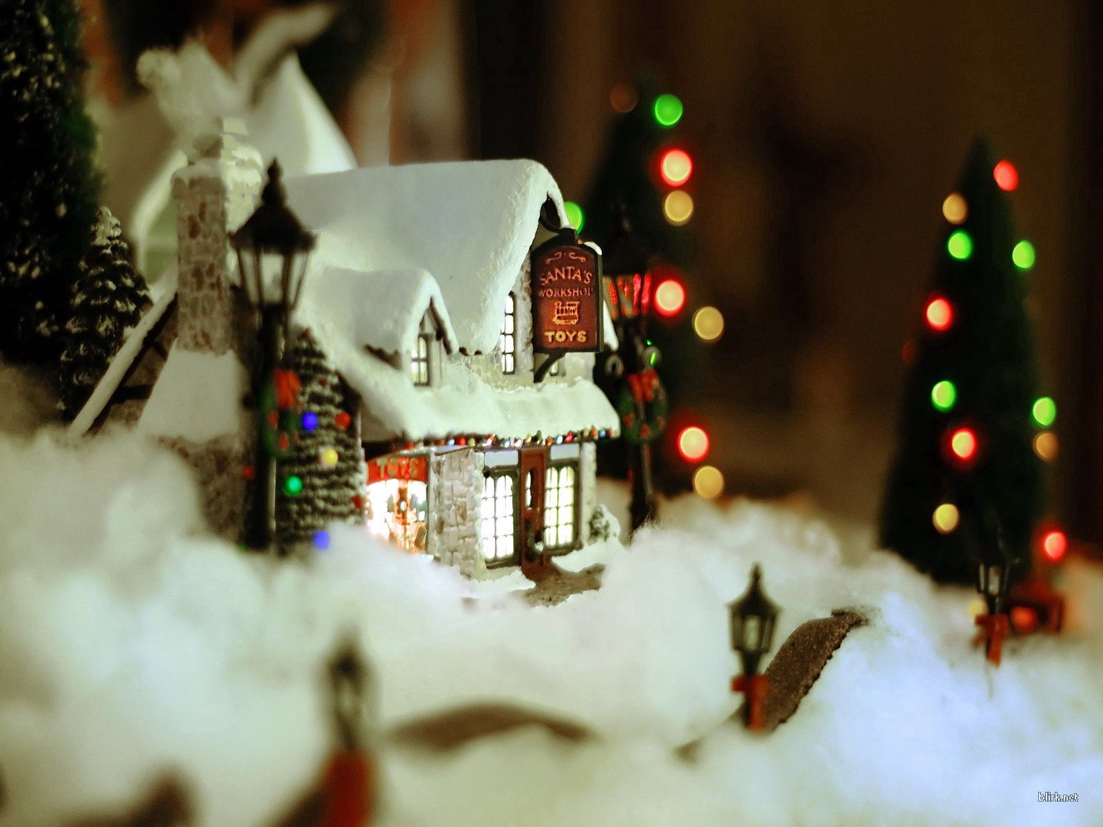 116574 download wallpaper Holidays, New Year, Snow, Christmas, House, Decoration, Coziness, Comfort screensavers and pictures for free
