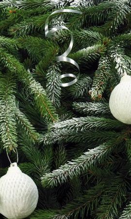 133684 скачать обои Праздники, Елка, Хвоя, Елочные Игрушки, Снег, Праздник, Рождество - заставки и картинки бесплатно