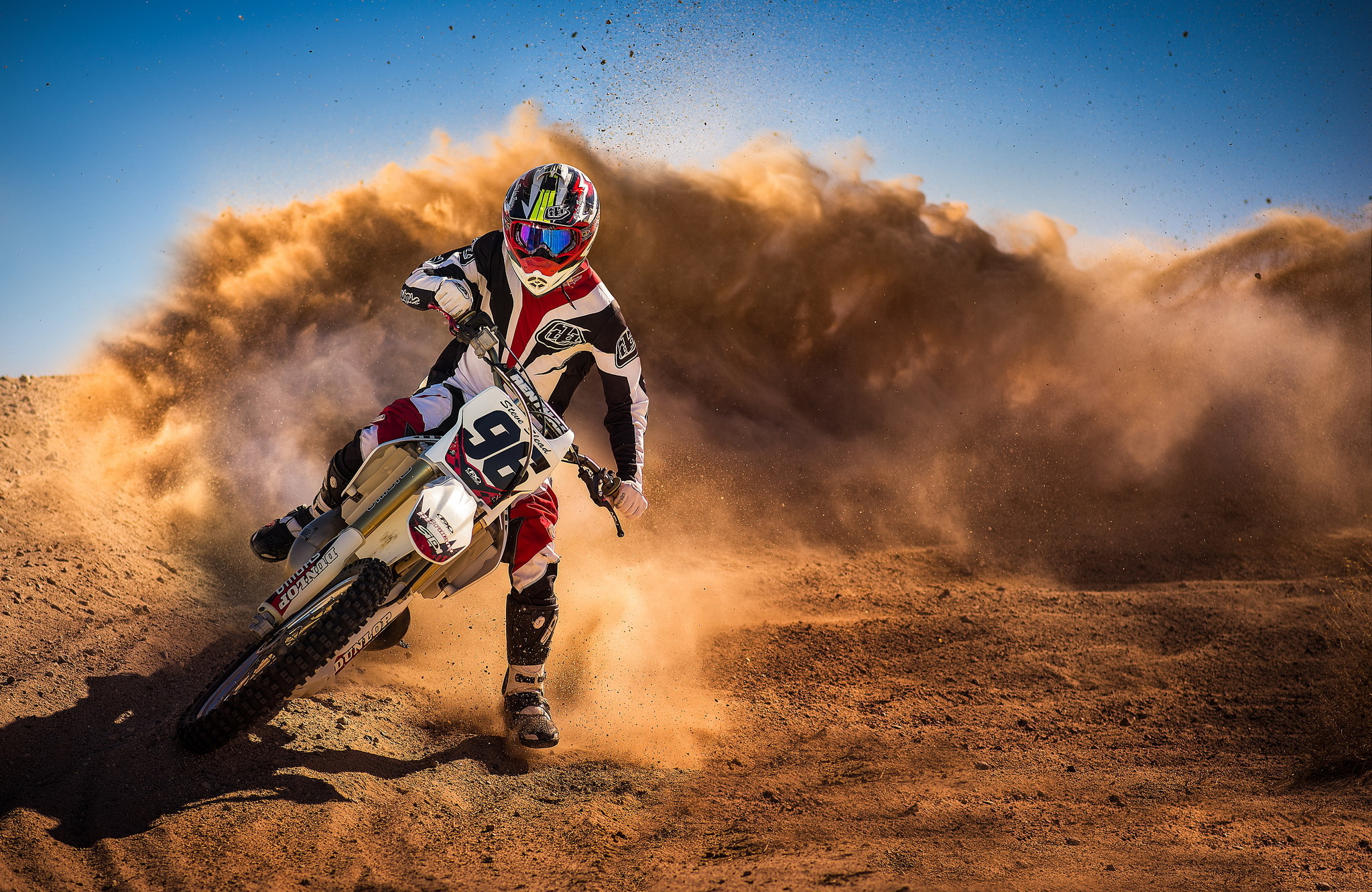 101980 скачать обои Мотоциклы, Мотоцикл, Гонка, Пыль, Мотоциклист, Спорт - заставки и картинки бесплатно