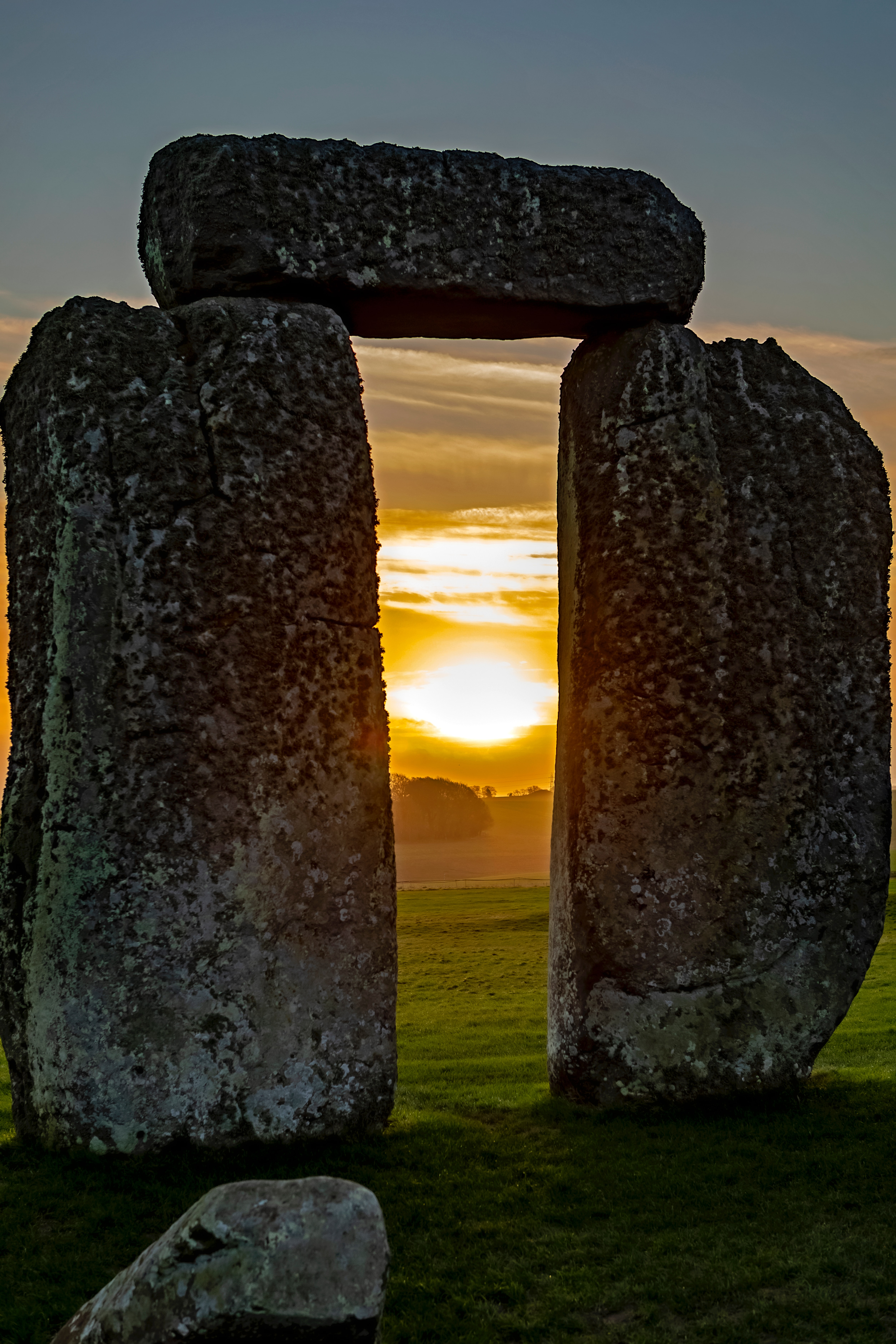 66599 download wallpaper Nature, Stones, Megalith, Sunset, Stonehenge, England screensavers and pictures for free