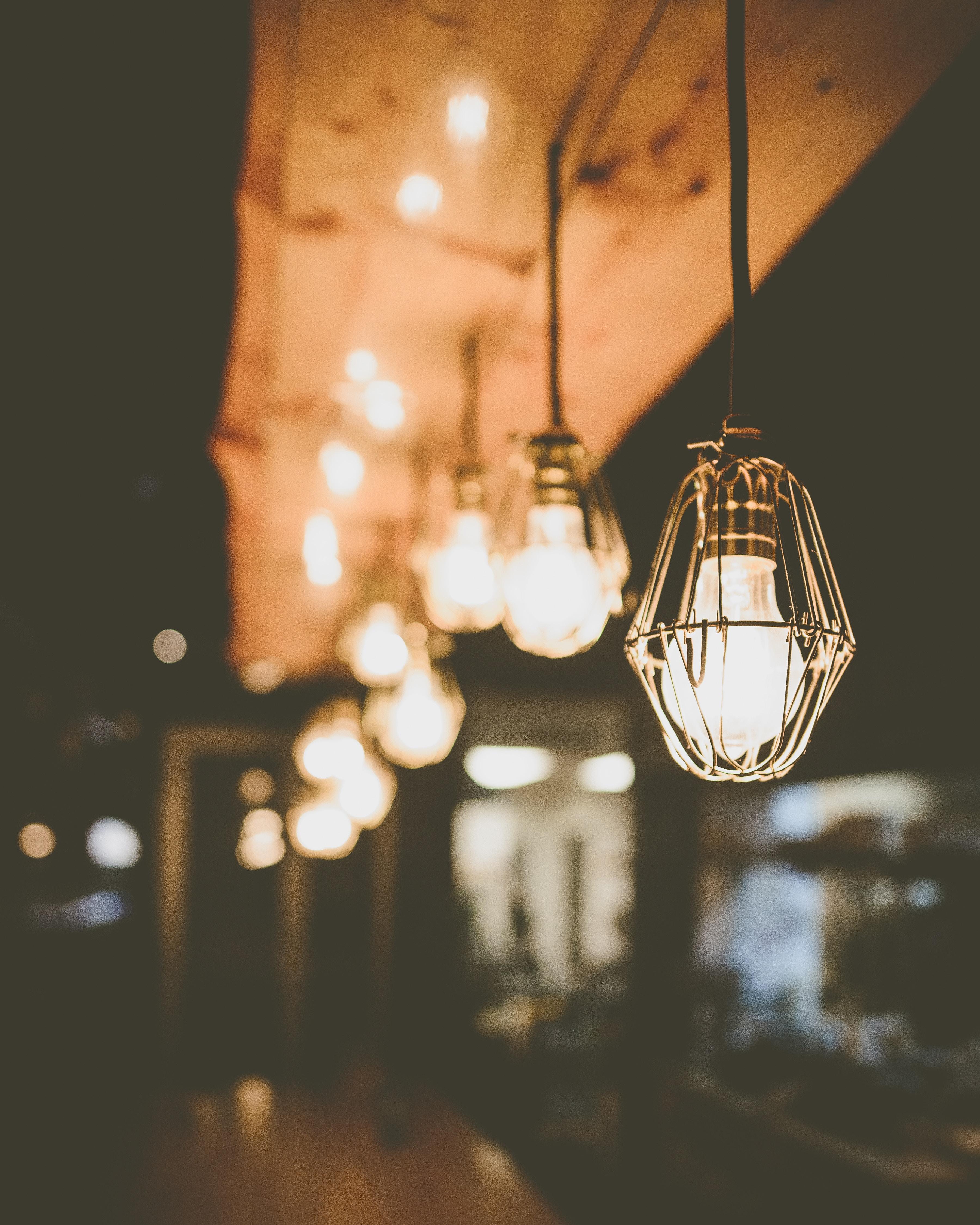 123222 Protetores de tela e papéis de parede Metal em seu telefone. Baixe Luzes, Miscelânea, Variado, Iluminação, Metal, Metálico, Lâmpadas, Eletricidade, Luminárias, Loft, Sótão fotos gratuitamente