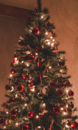 104155 descargar fondo de pantalla Vacaciones, Árbol De Navidad, Decoraciones, Guirnaldas, Guirnalda, Navidad, Año Nuevo, Día Festivo: protectores de pantalla e imágenes gratis