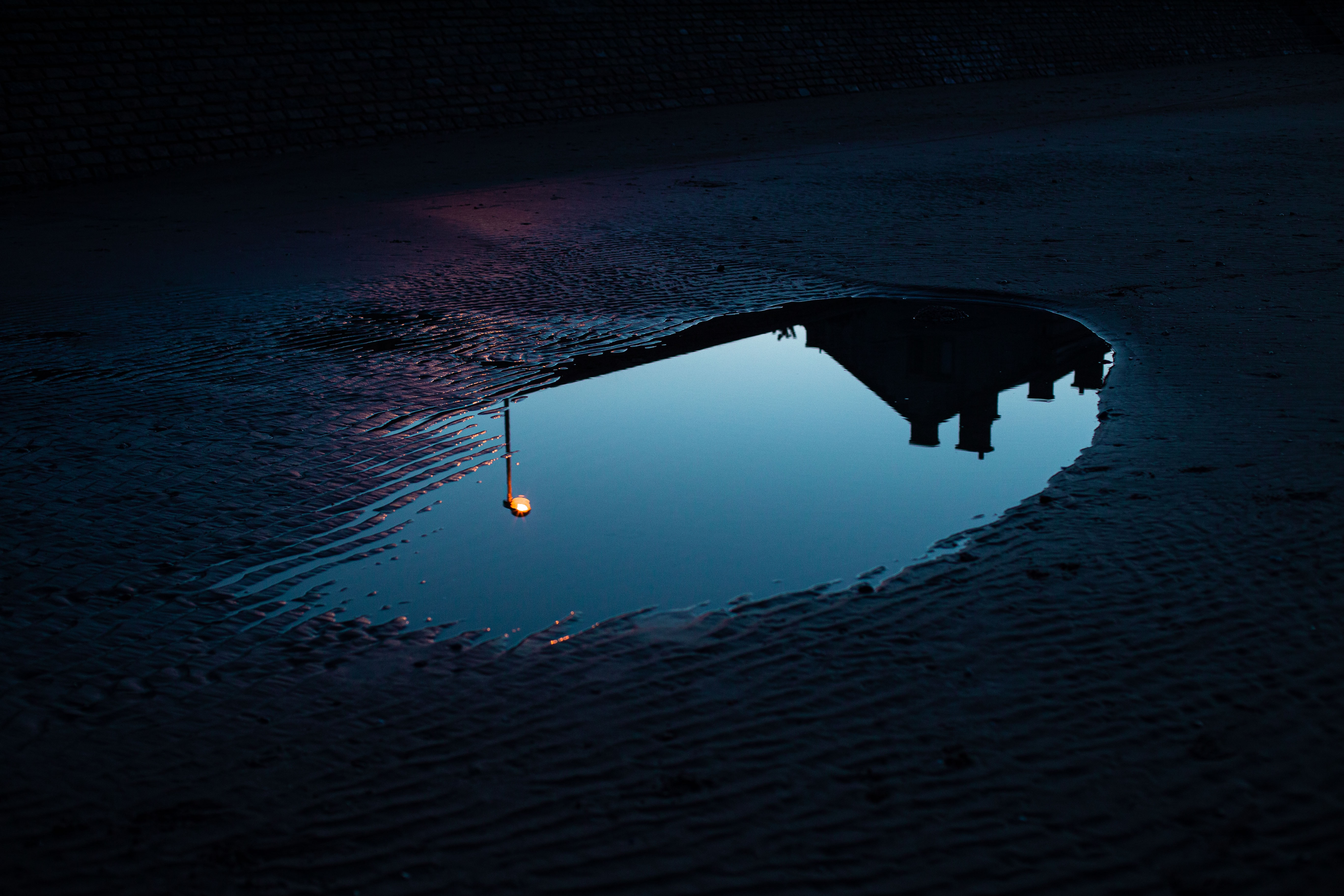 134425 Screensavers and Wallpapers Lamp for phone. Download Dark, Reflection, Lamp, Lantern, Puddle pictures for free