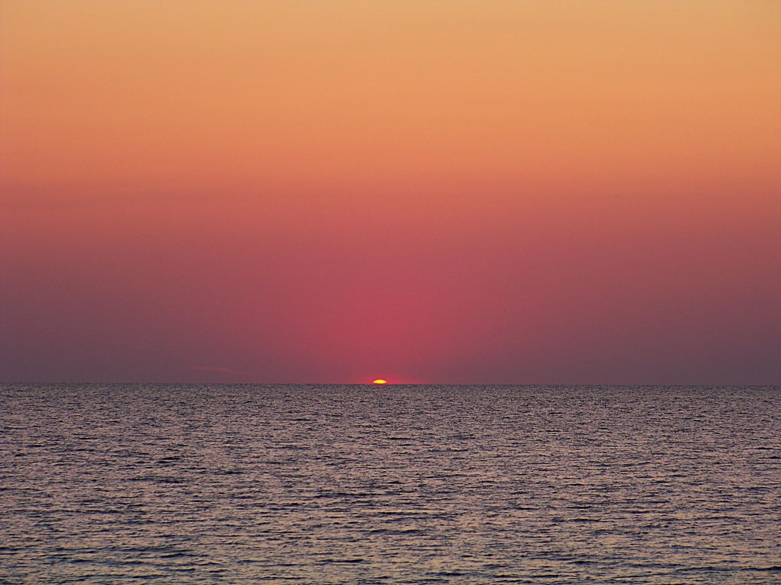 3399 скачать обои Пейзаж, Вода, Закат, Небо, Море, Солнце - заставки и картинки бесплатно
