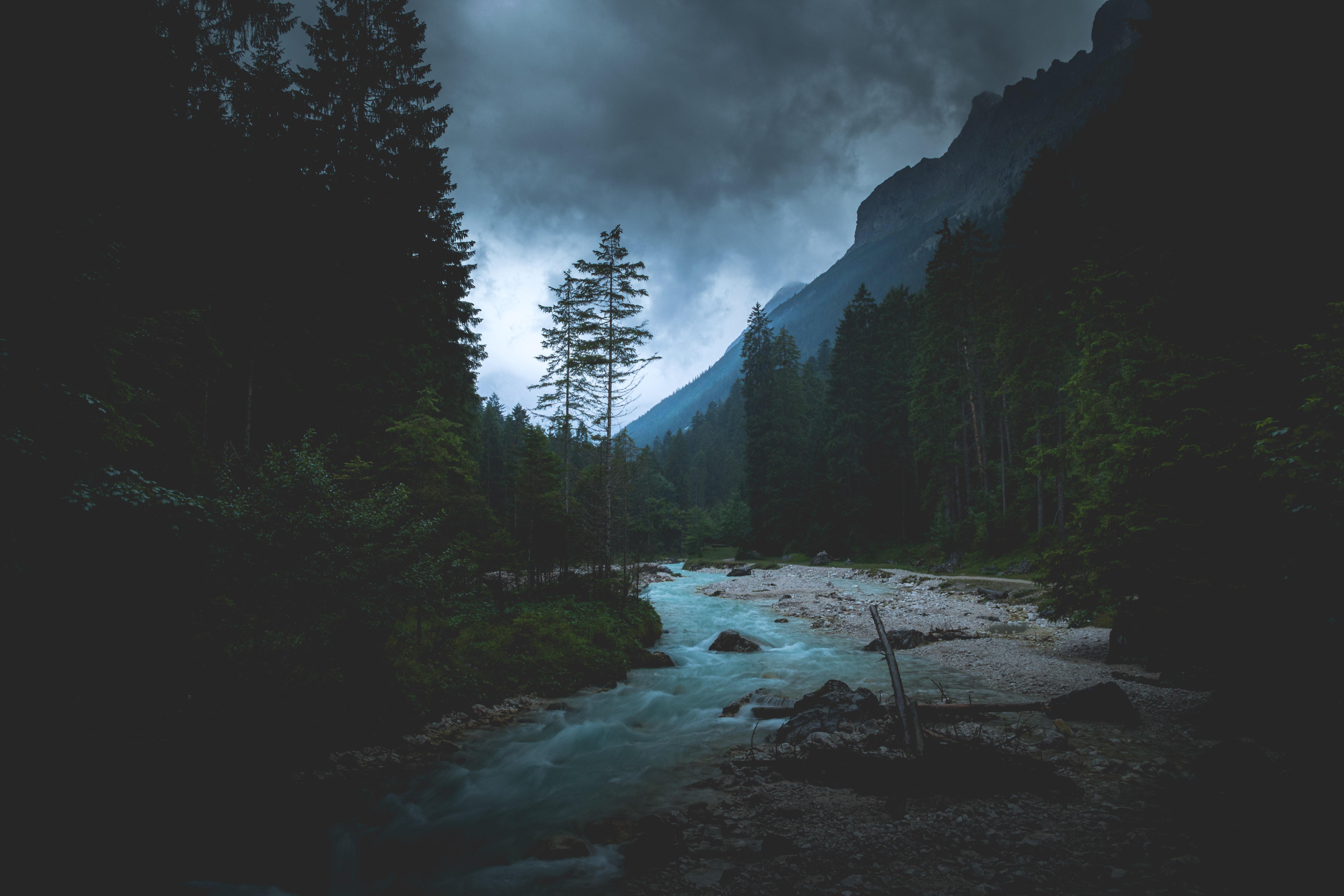 56269 descargar fondo de pantalla Naturaleza, Ríos, Bosque, Oscuridad, Crepúsculo, Montañas, Paisaje: protectores de pantalla e imágenes gratis