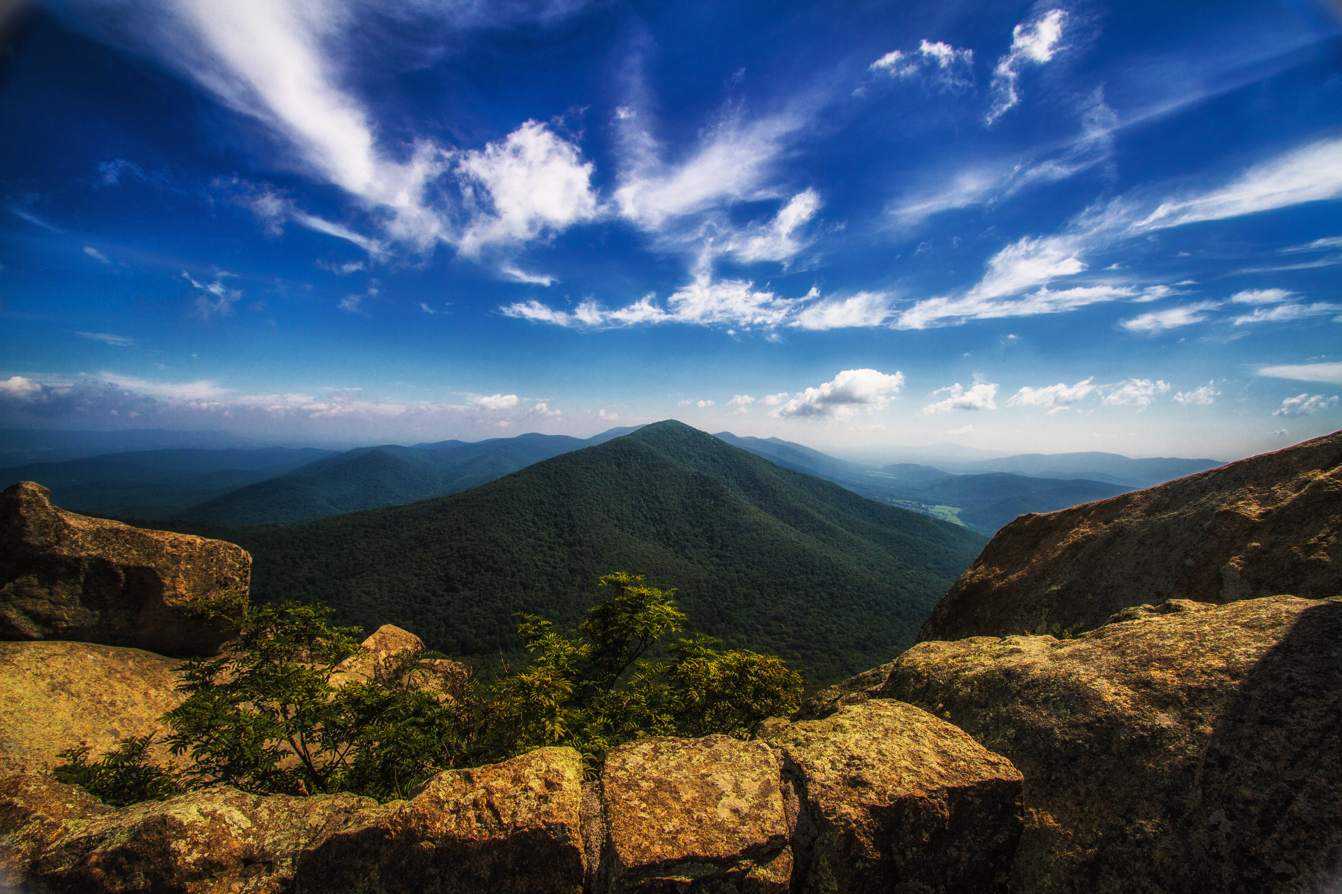 129485 download wallpaper Nature, Stones, Mountain, Vertex, Top, National Park, Mountain Landscape, Hawkesbill, Hawksbill, Shenandoah screensavers and pictures for free