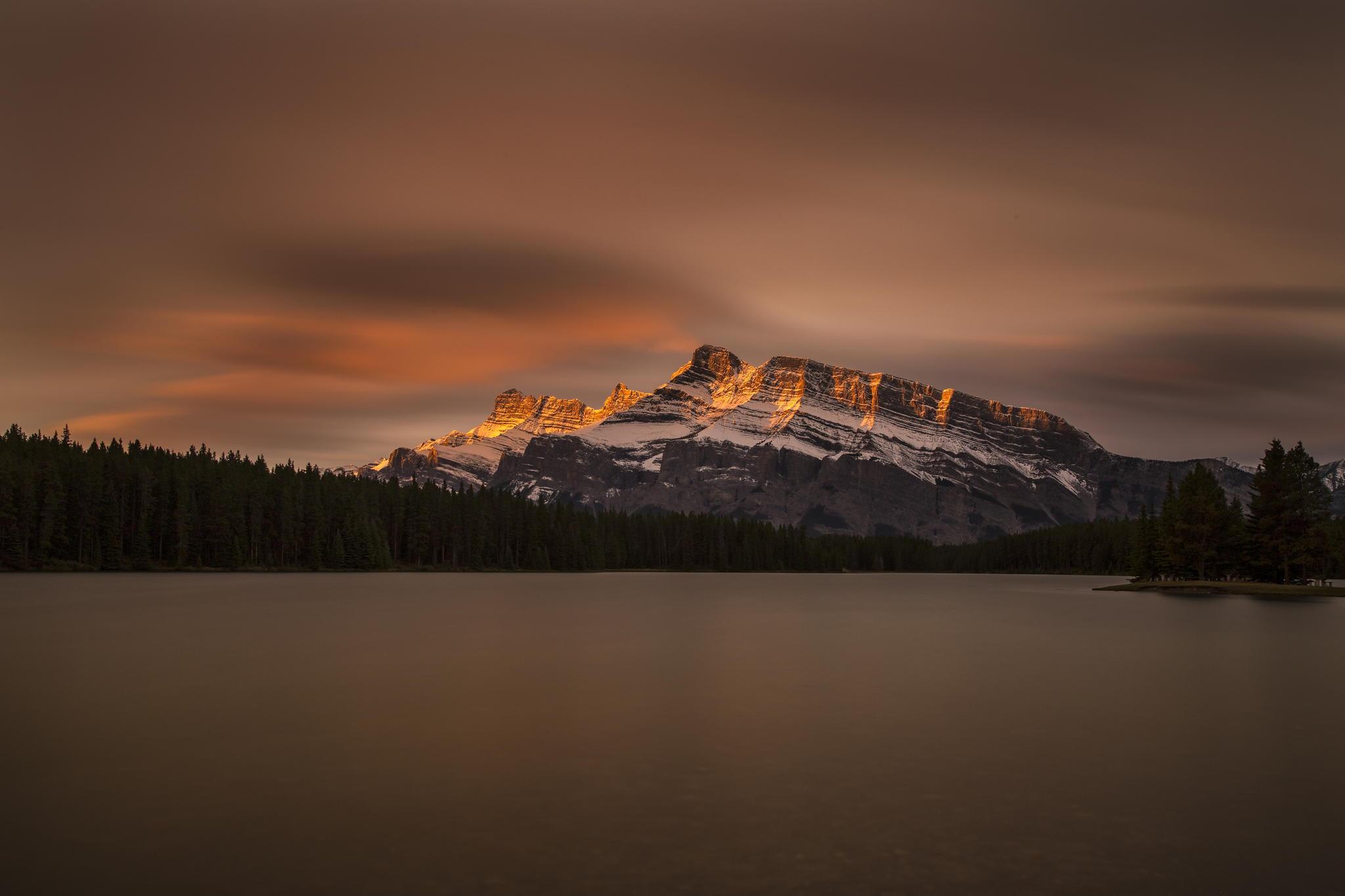 100974 Заставки и Обои Озеро на телефон. Скачать Озеро, Горы, Канада, Природа, Национальный Парк Банф, Jack Lake картинки бесплатно