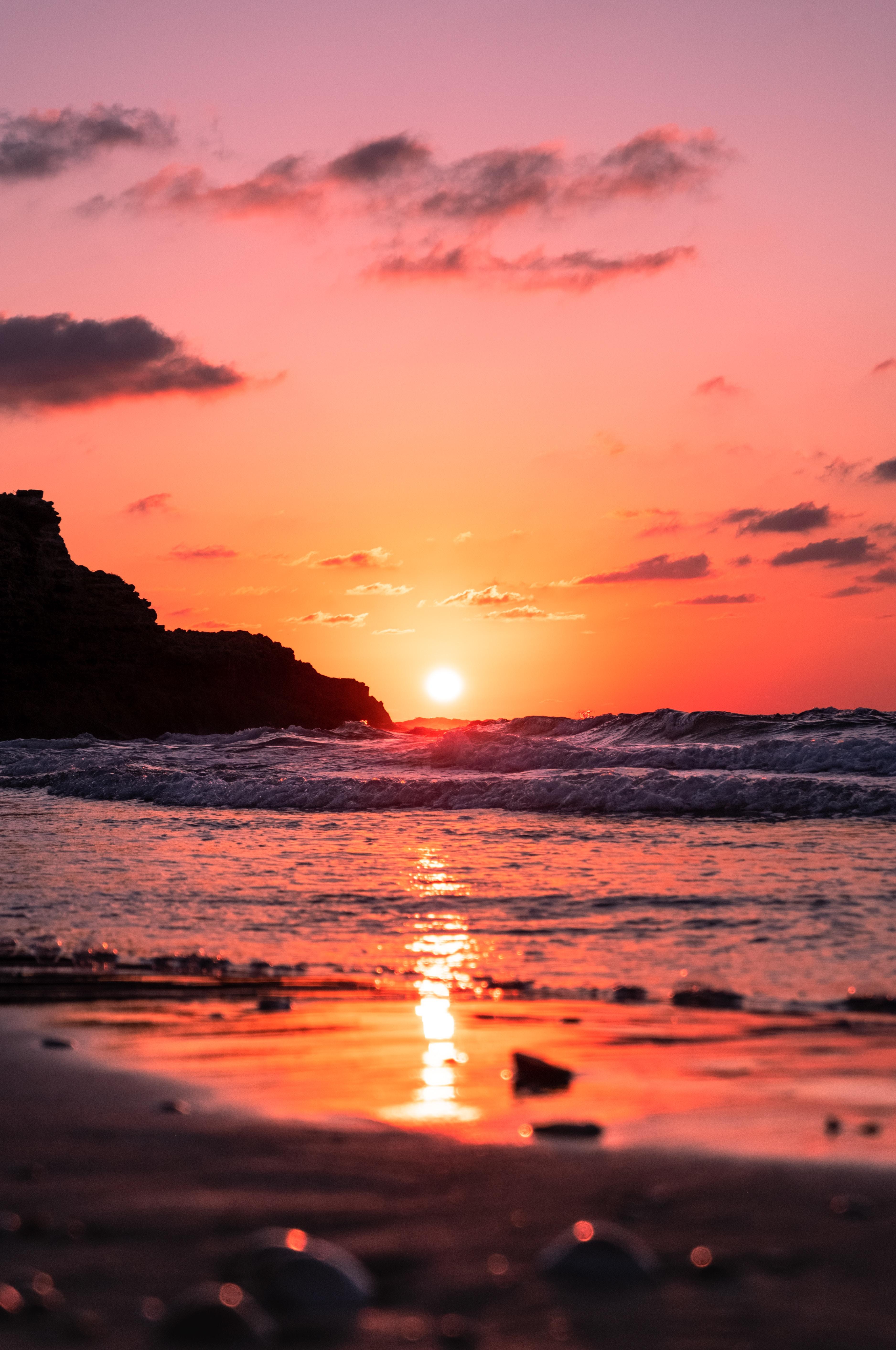 120331 Заставки и Обои Солнце на телефон. Скачать Солнце, Природа, Закат, Море, Волны, Красный, Сумерки картинки бесплатно