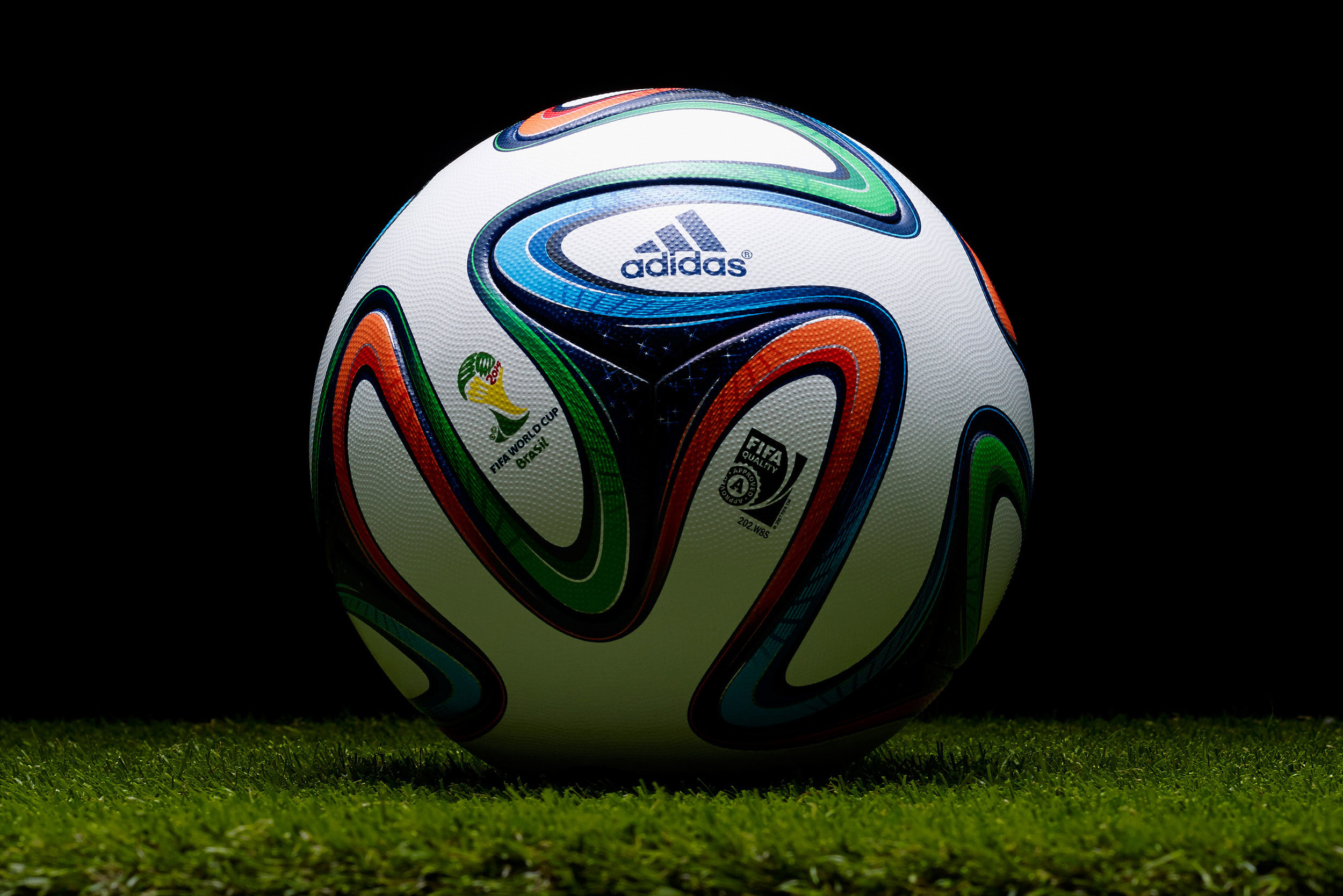 100196 download wallpaper Sports, Football, Adidas, 2014, Ball, World Cup, Brazuca screensavers and pictures for free