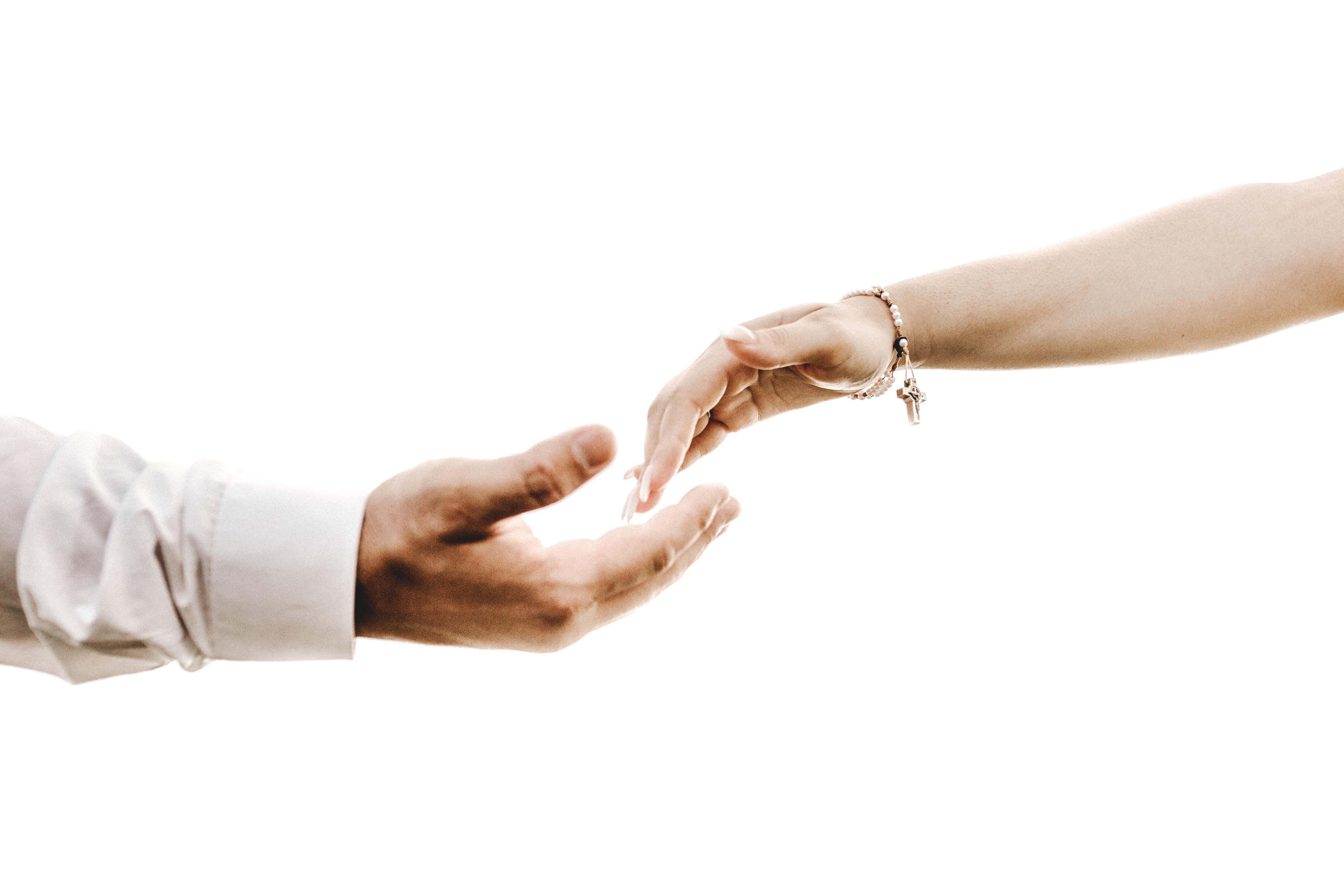 111346 télécharger le fond d'écran Mains, Émouvant, Toucher, Amour, Coupler, Paire, Romance - économiseurs d'écran et images gratuitement