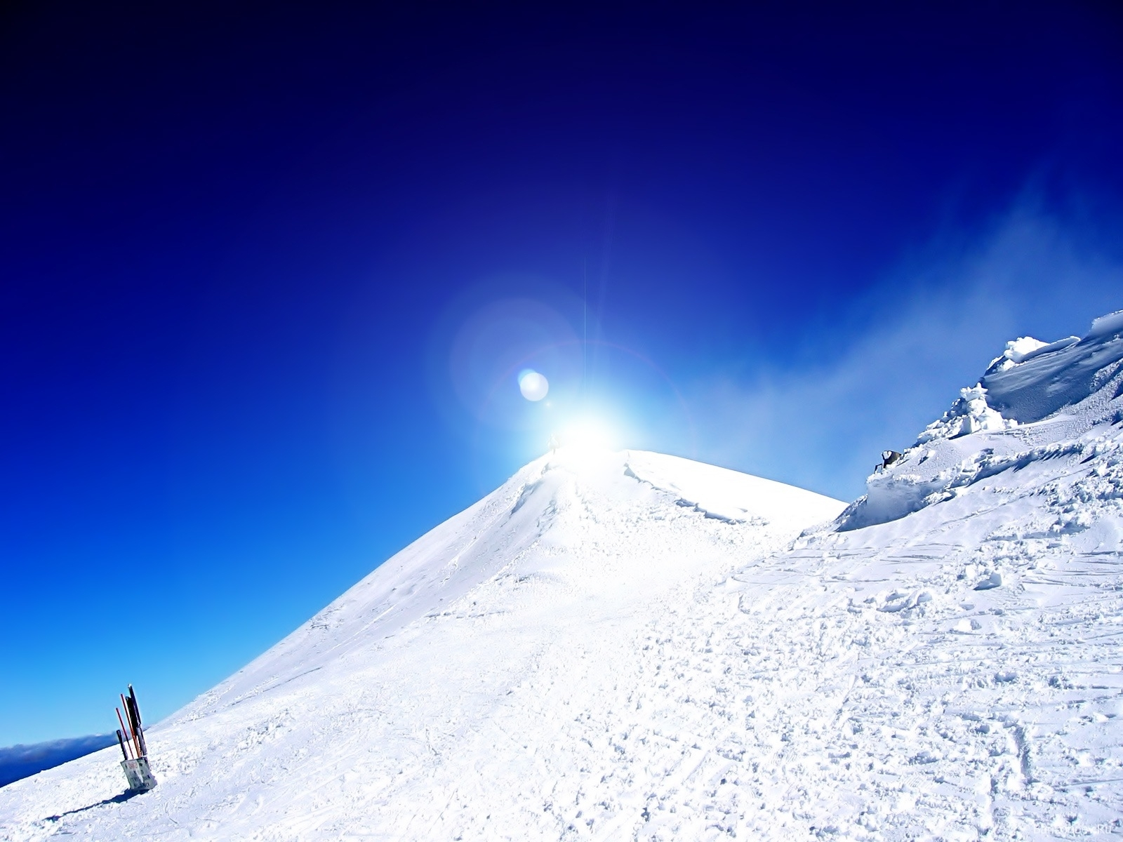 1207 download wallpaper Landscape, Winter, Mountains, Snow screensavers and pictures for free